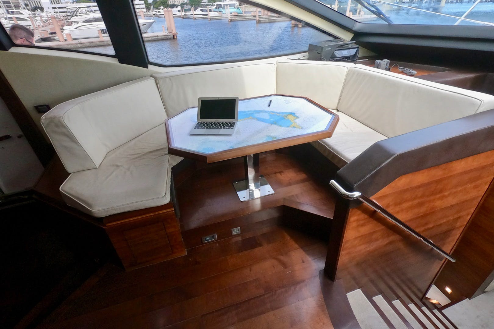 2009 Azimut 85' 85 Flybridge Sempre Grati | Picture 2 of 65