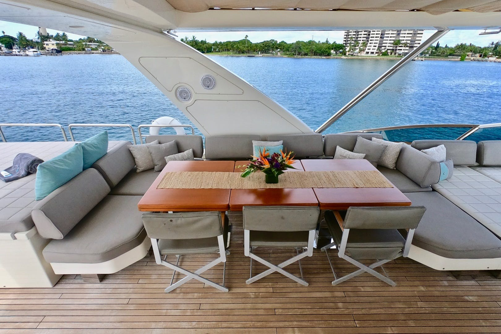 2009 Azimut 85' 85 Flybridge Sempre Grati | Picture 3 of 65
