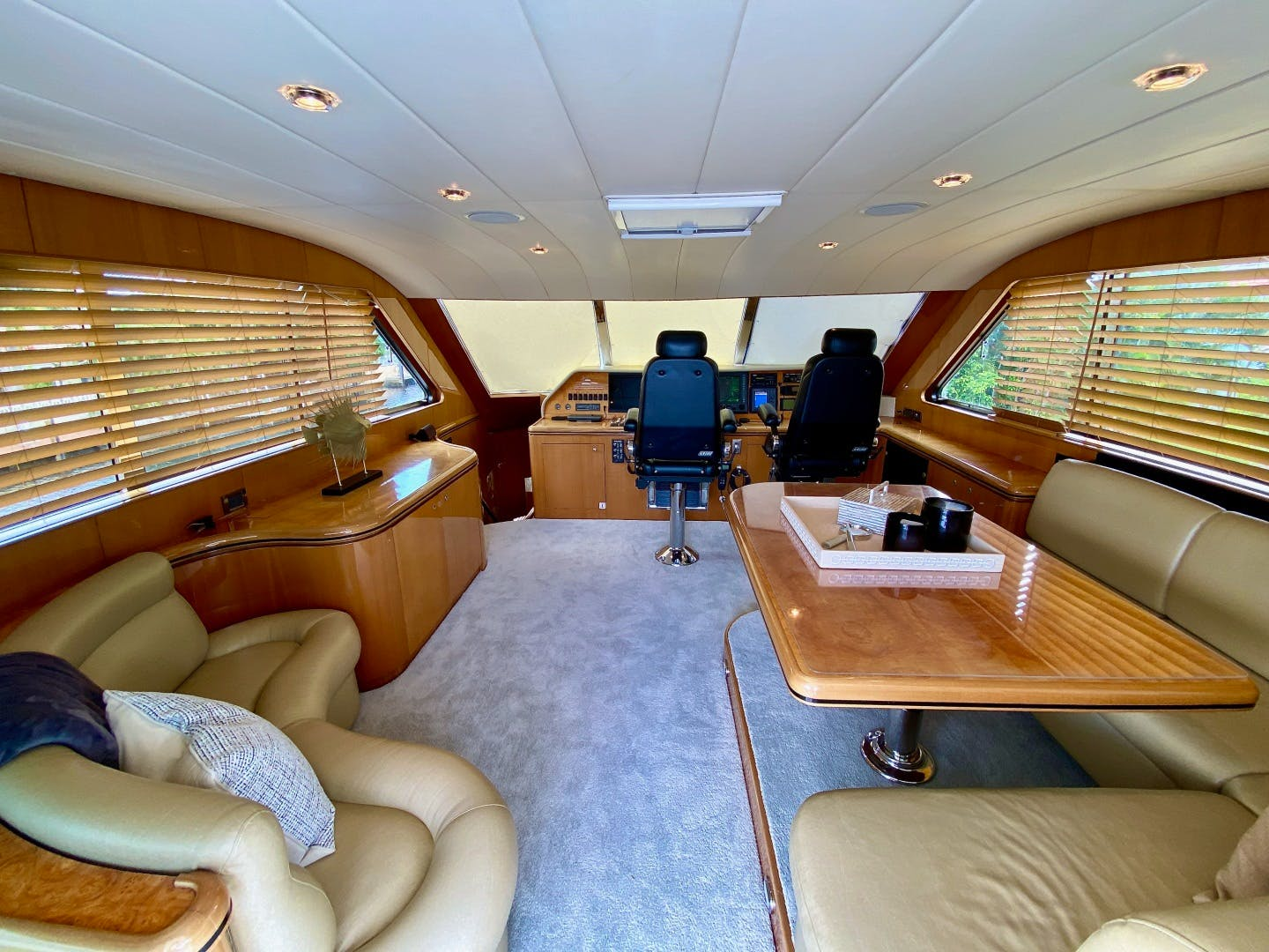 2001 Horizon 76' Sky Lounge BLUEWATER BETH | Picture 1 of 73