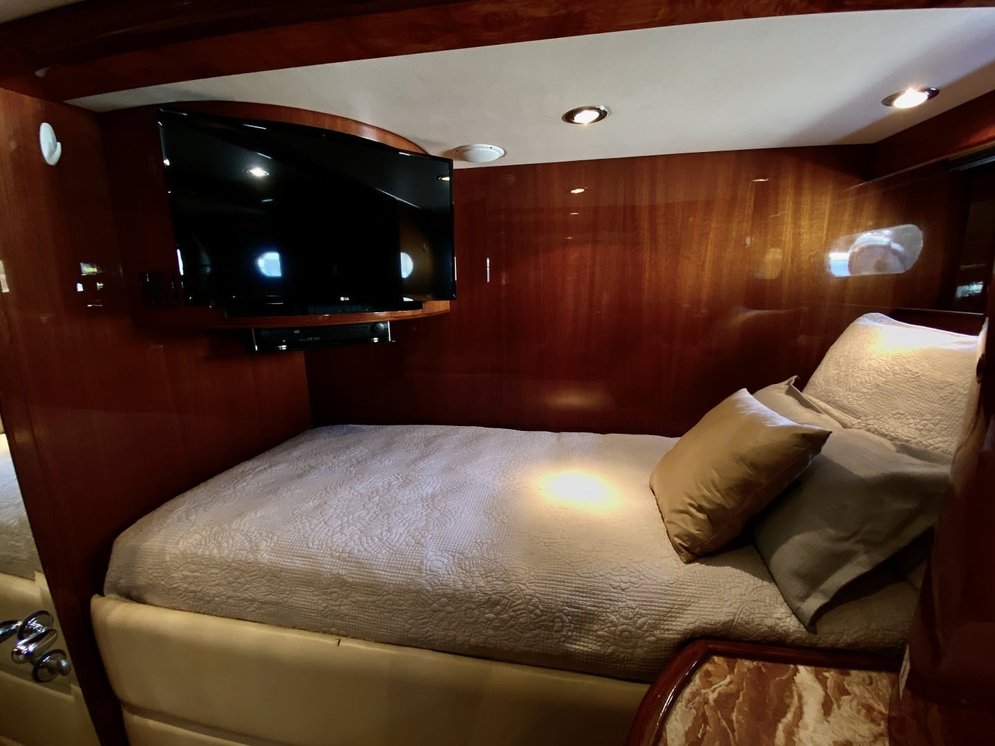 2001 Horizon 76' Sky Lounge BLUEWATER BETH | Picture 3 of 73