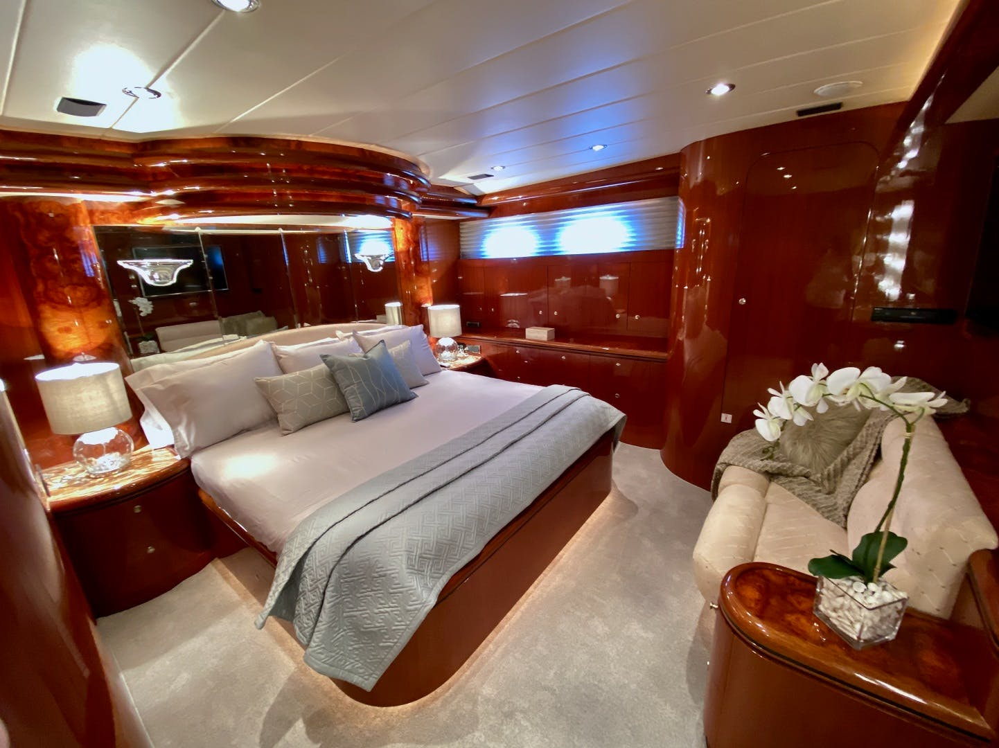 2001 Horizon 76' Sky Lounge BLUEWATER BETH | Picture 6 of 73