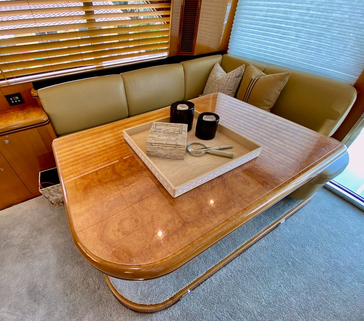 2001 Horizon 76' Sky Lounge BLUEWATER BETH | Picture 5 of 73
