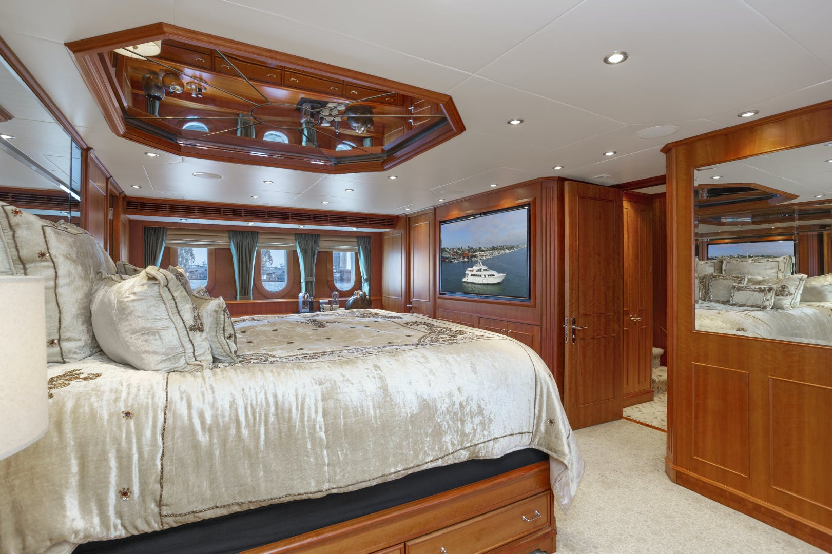 2000 Palmer Johnson 128' Custom Tri-Deck Motoryacht KIMBERLY | Picture 4 of 52