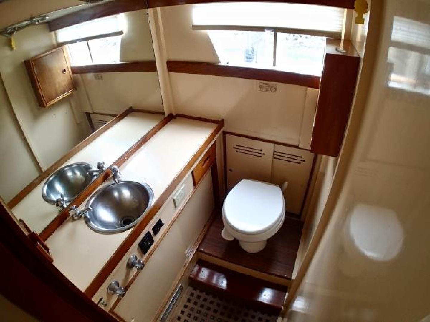 1972 Grand Banks 36' TriCabin  | Picture 3 of 12