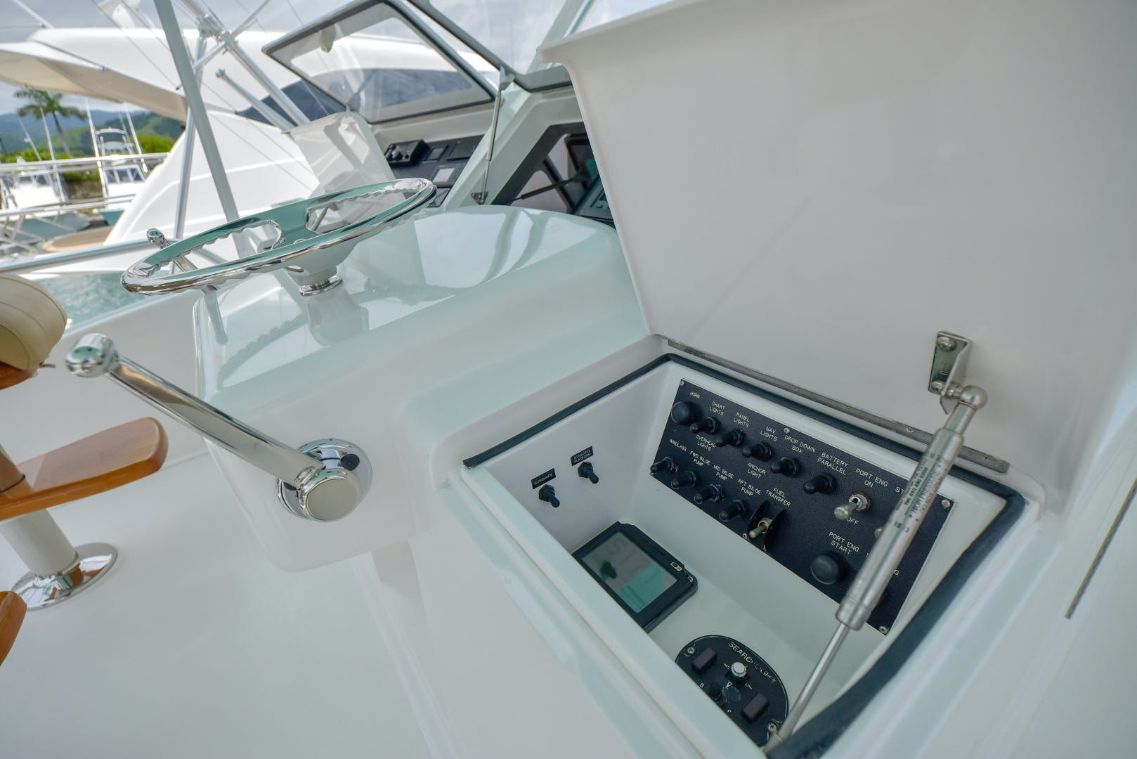 2006 Viking 56' 56 Convertible Done Deal | Picture 8 of 61
