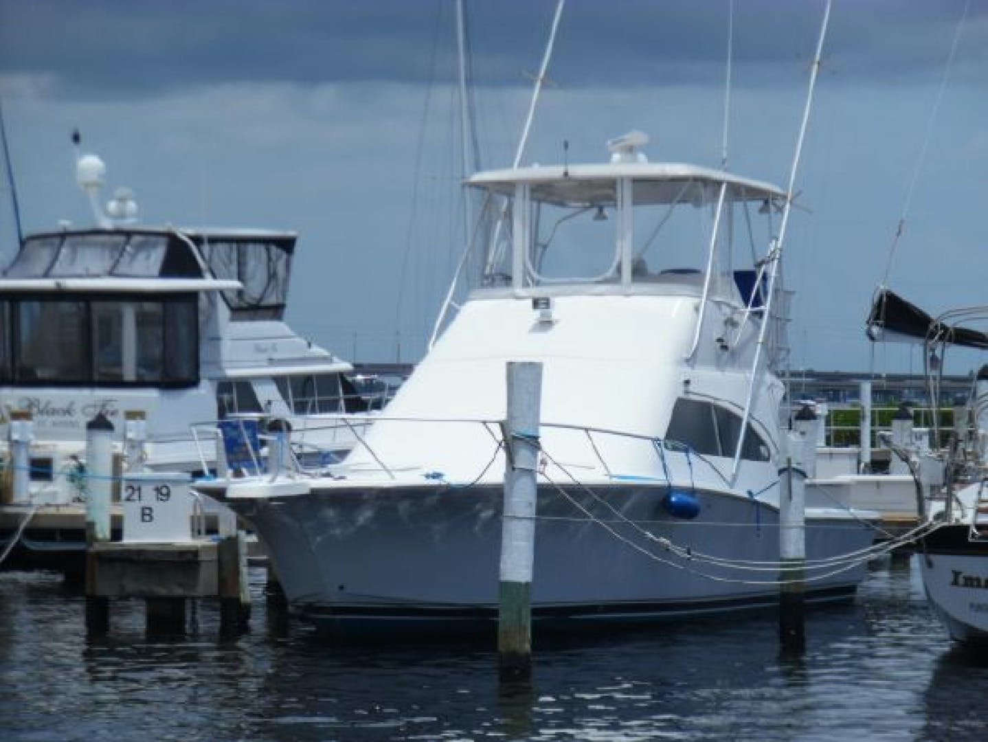 2004 Luhrs 36' 36 Convertible Lucky Lady | Picture 4 of 85