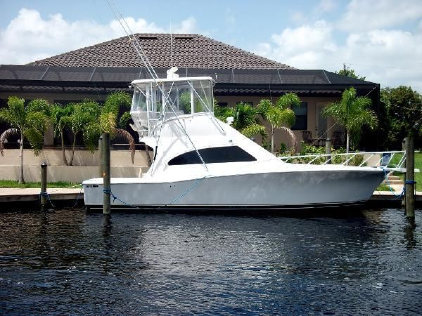 36' Luhrs 2004 36 Convertible Lucky Lady