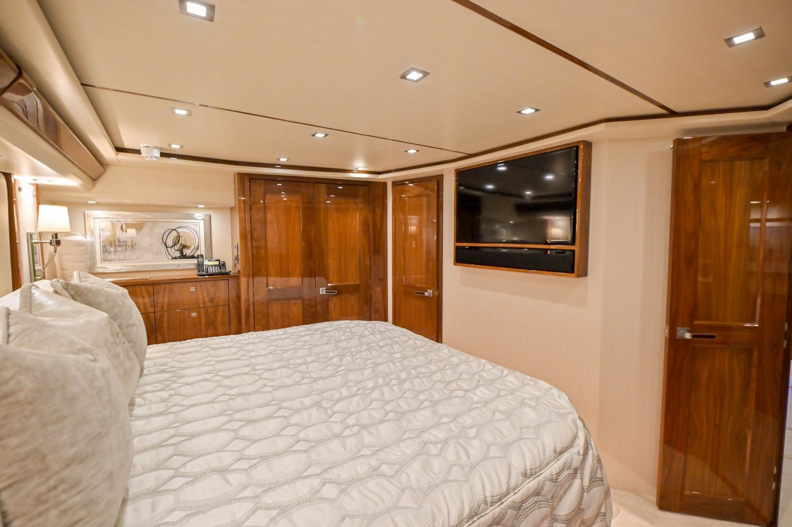 2019 Viking 72' 72 Convertible GOOSE | Picture 6 of 98