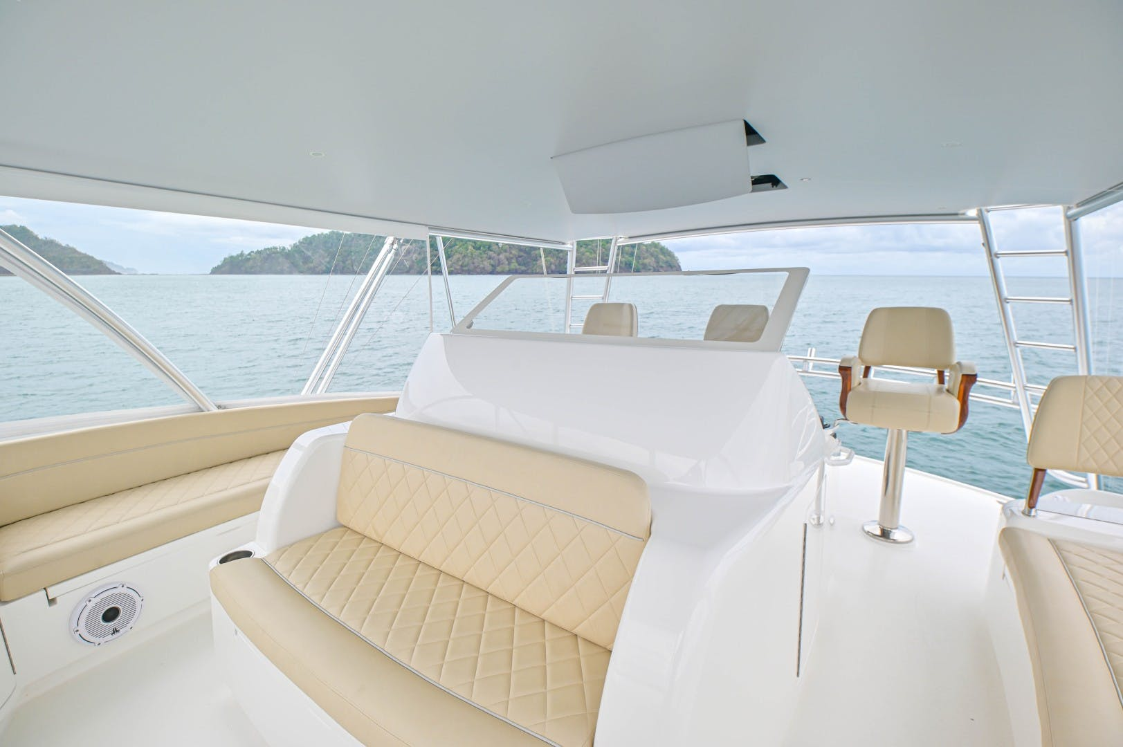 2019 Viking 72' 72 Convertible GOOSE | Picture 7 of 98