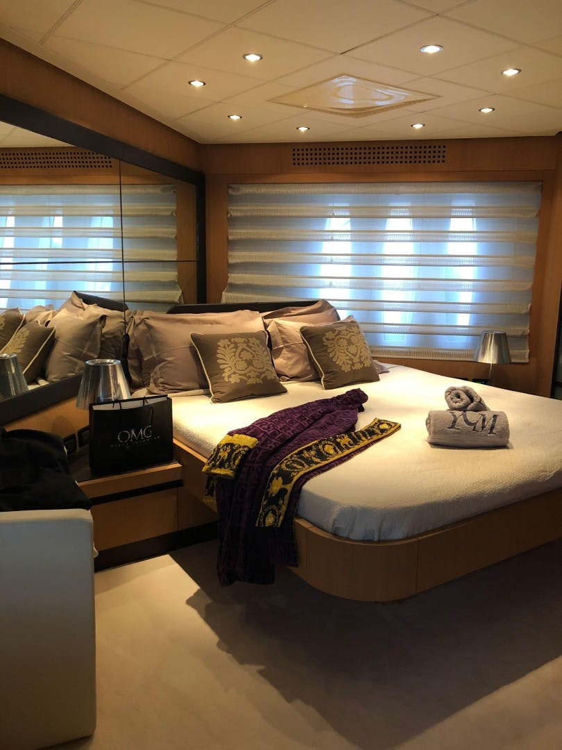 2007 Pershing 90'  YCM 90 | Picture 6 of 85