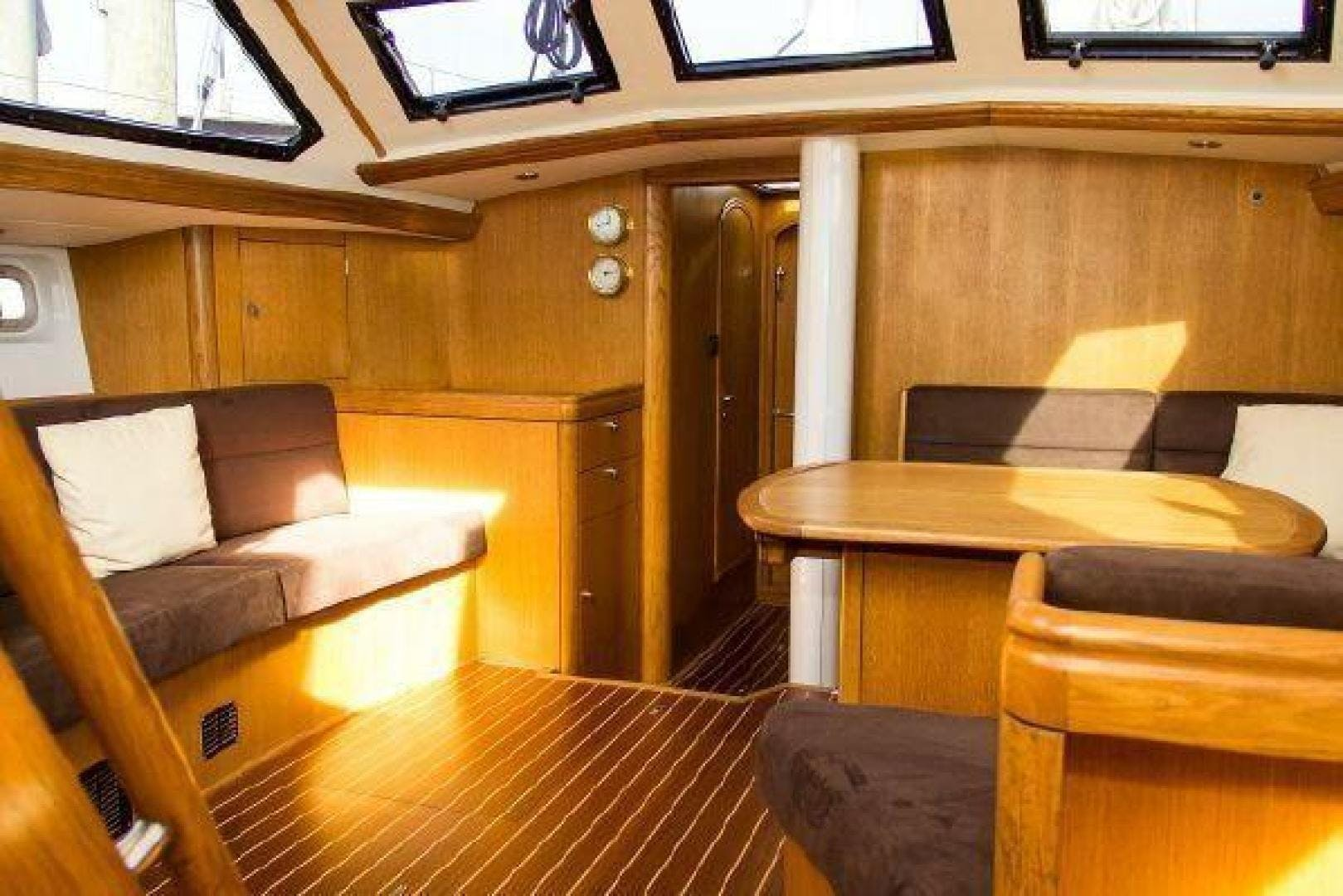 1996 Oyster 55' Center Cockpit Cutter Escapade | Picture 4 of 21