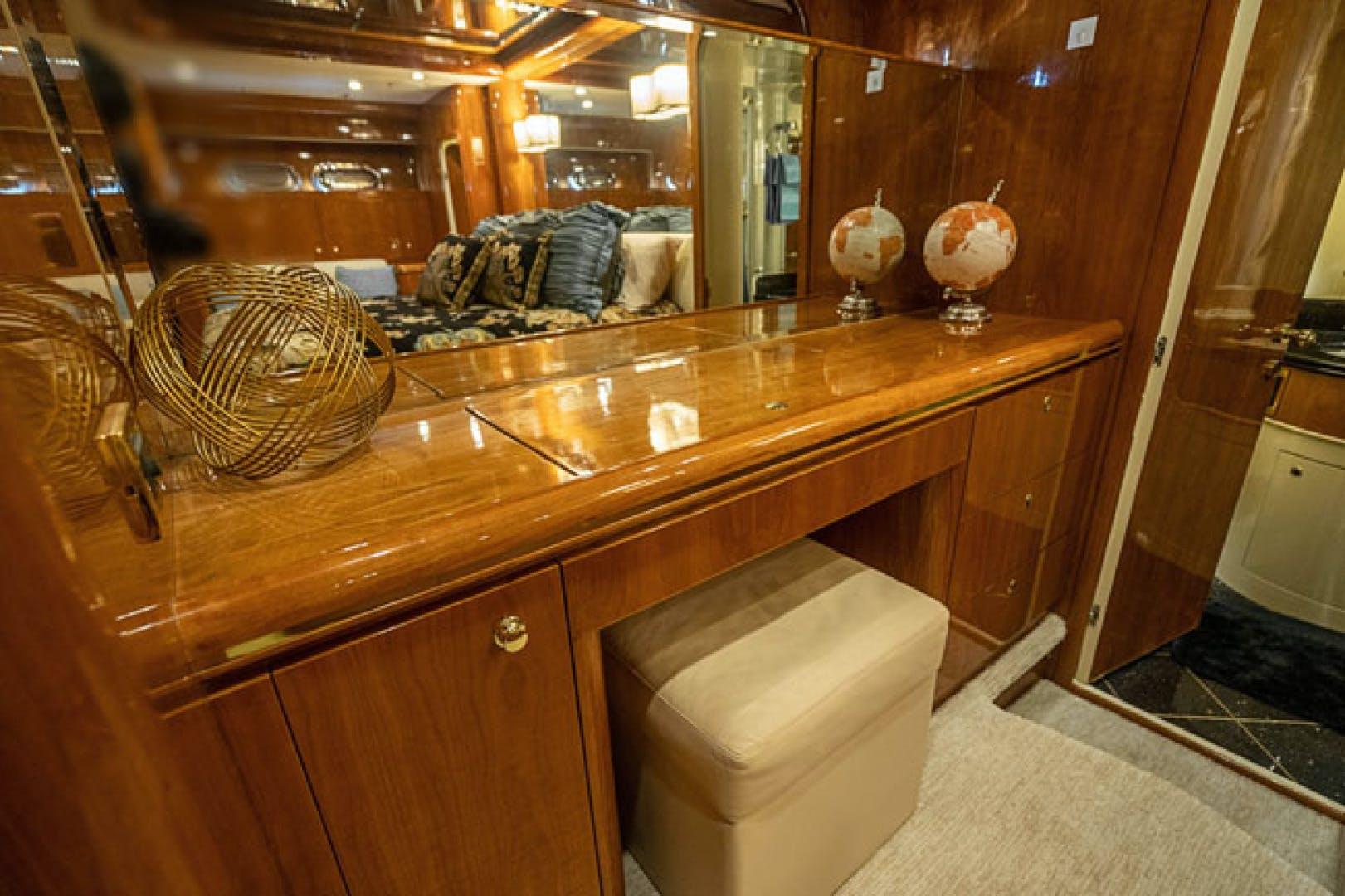 2001 Horizon 82' Flybridge Motor Yacht LADY BULL   Picture 8 of 88