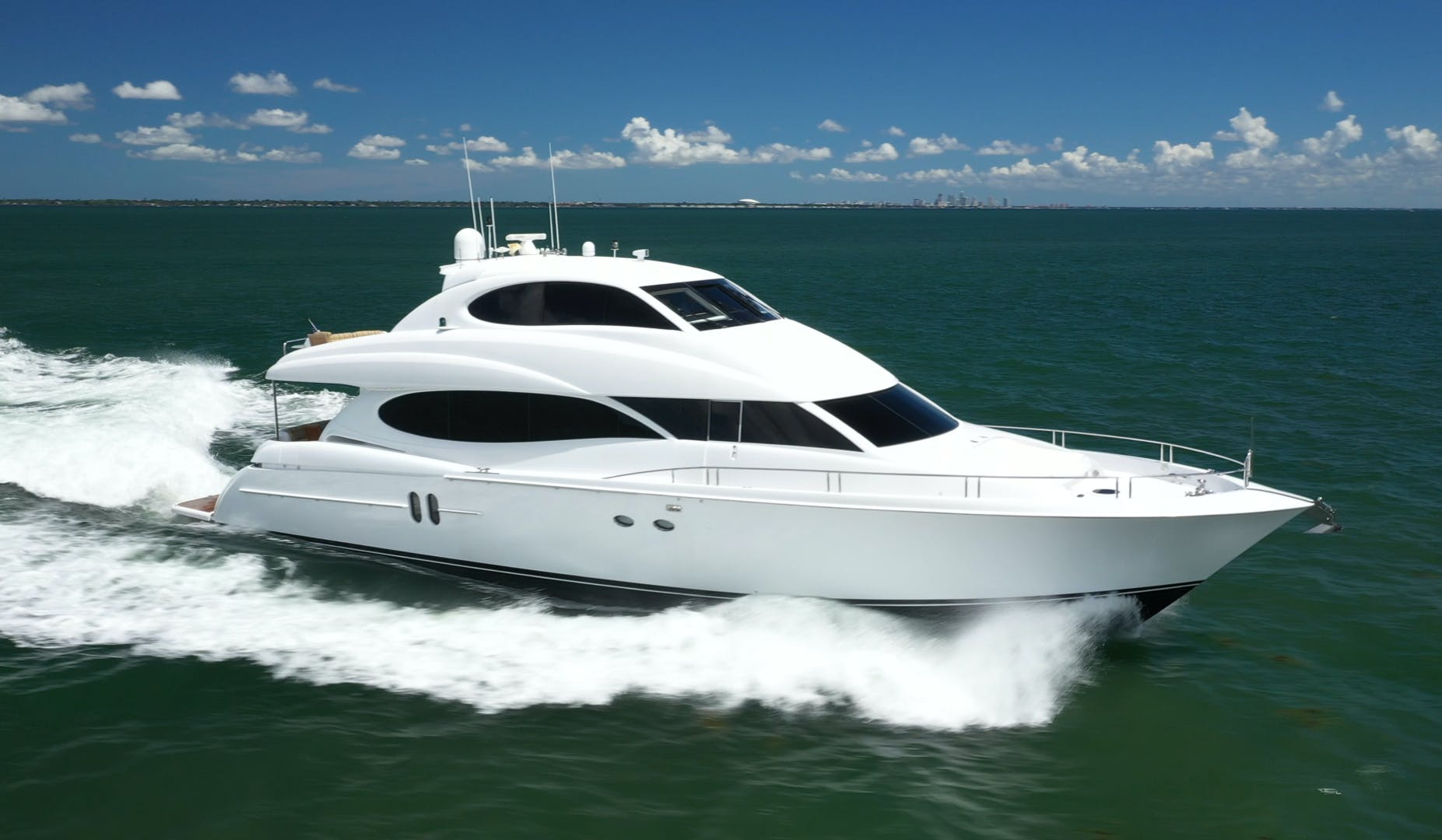 2006 Lazzara Yachts 80' 80 Skylounge    Picture 3 of 54