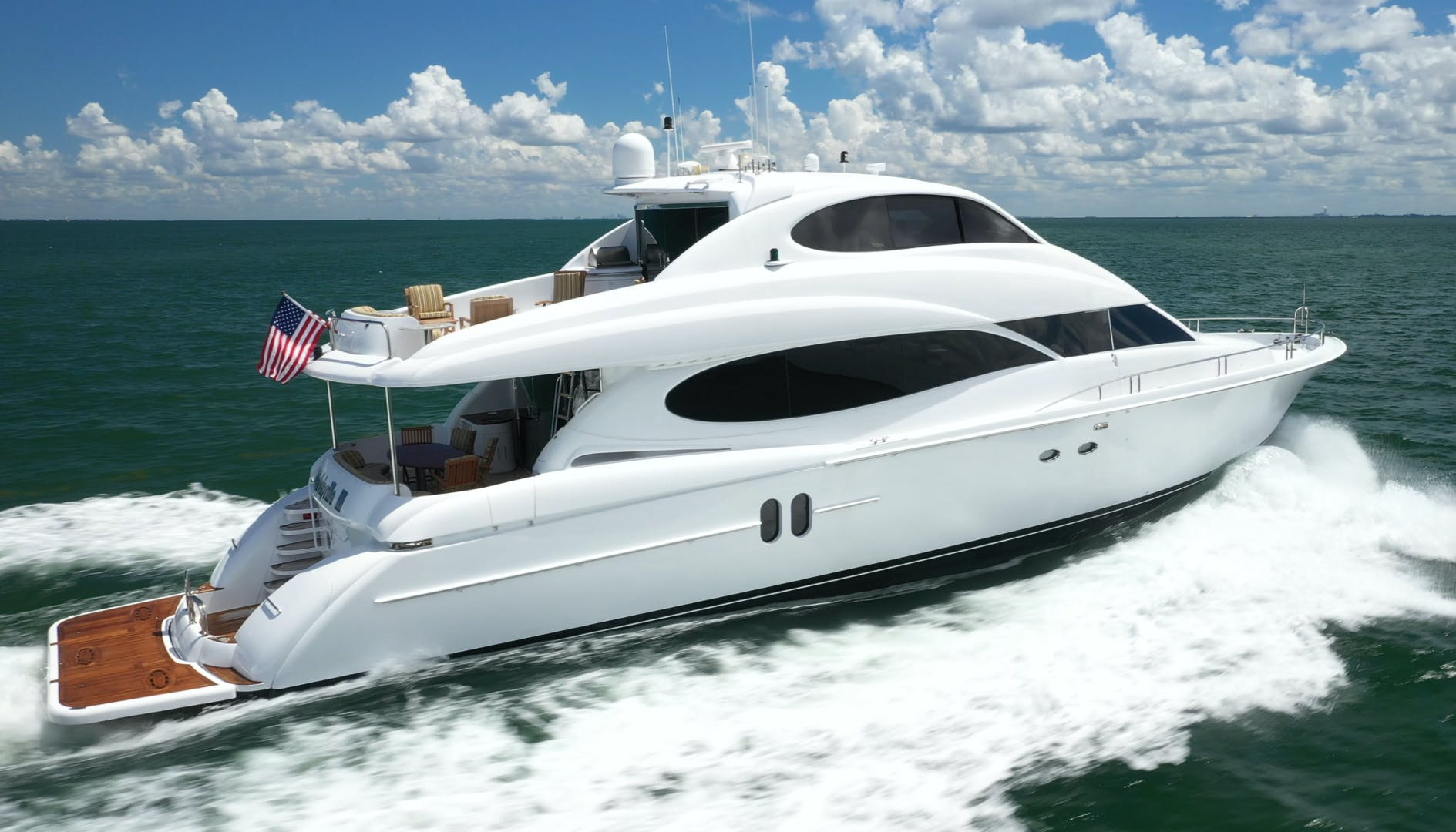 2006 Lazzara Yachts 80' 80 Skylounge    Picture 4 of 54