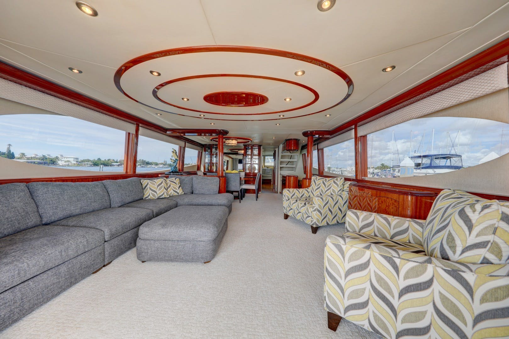 2006 Lazzara Yachts 80' 80 Skylounge    Picture 8 of 54