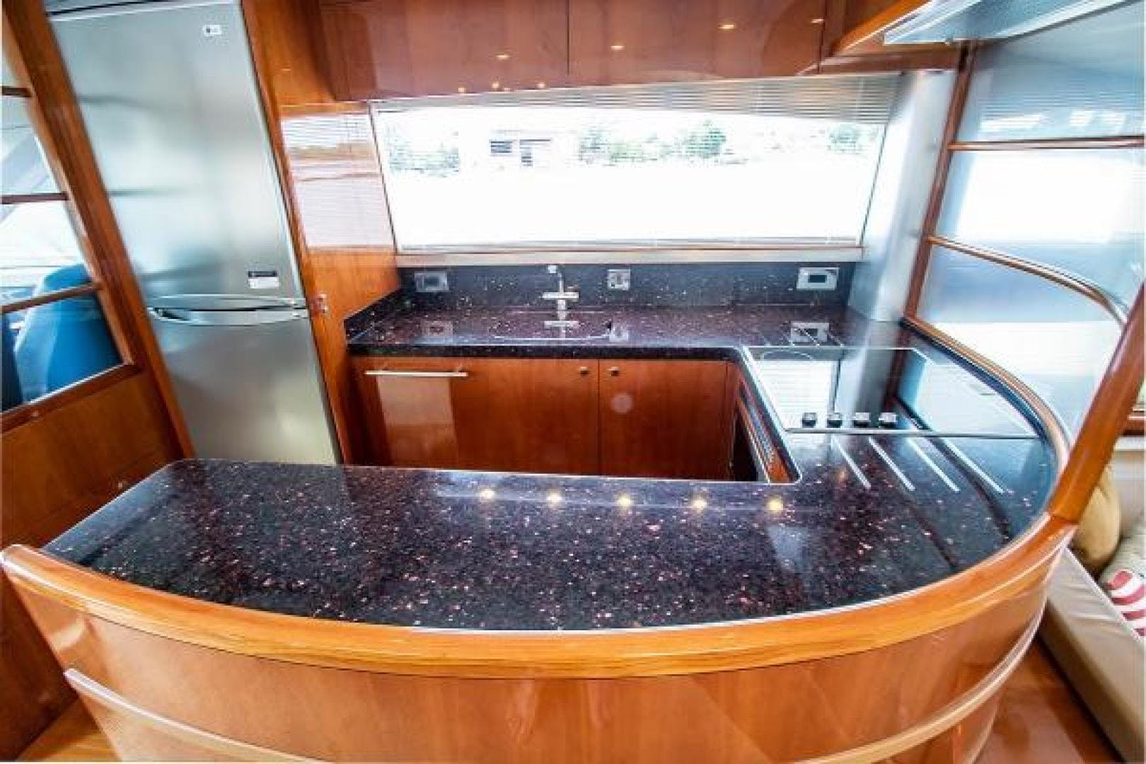 2006 Princess 67' 67 Flybridge GINA MARIE   Picture 7 of 103