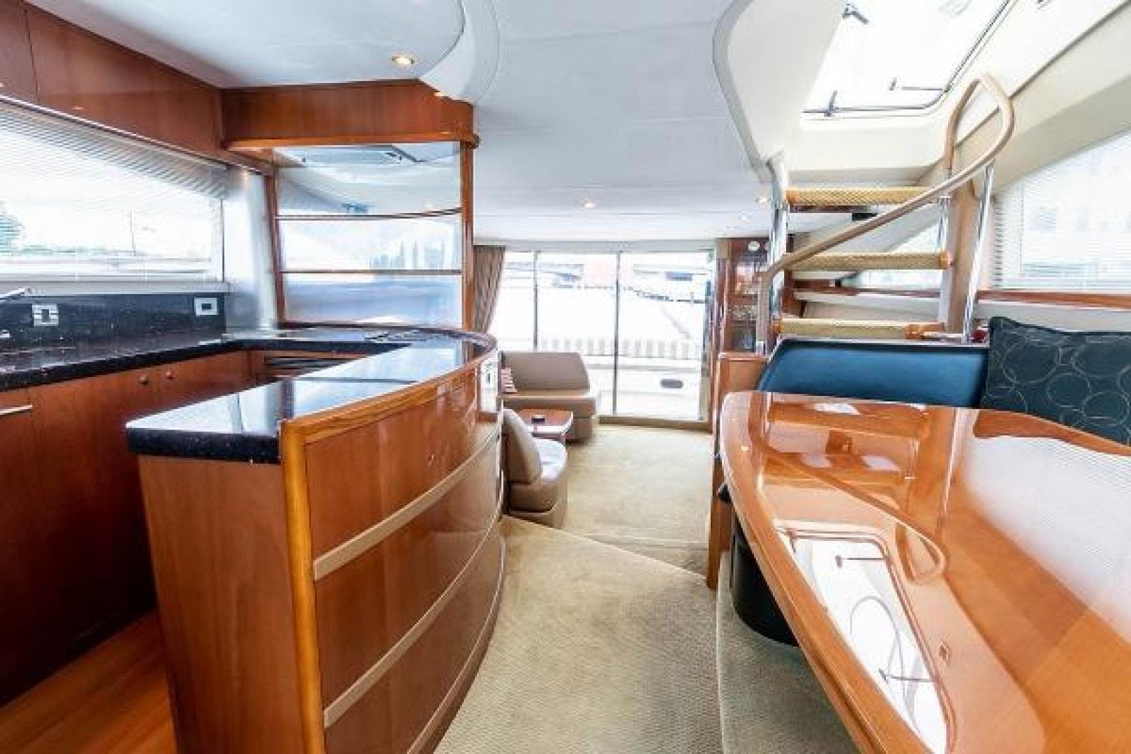 2006 Princess 67' 67 Flybridge GINA MARIE   Picture 4 of 103