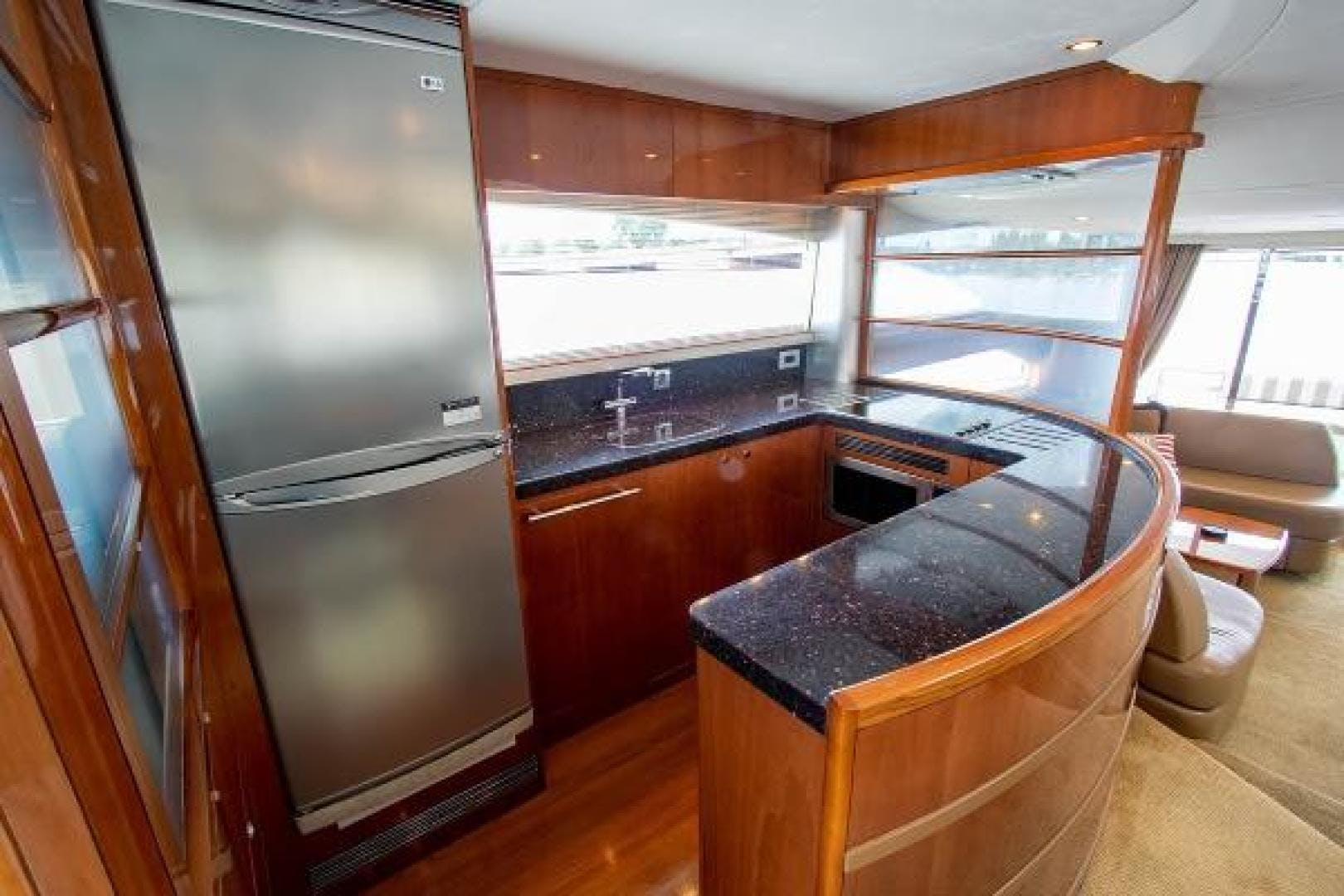 2006 Princess 67' 67 Flybridge GINA MARIE   Picture 5 of 103