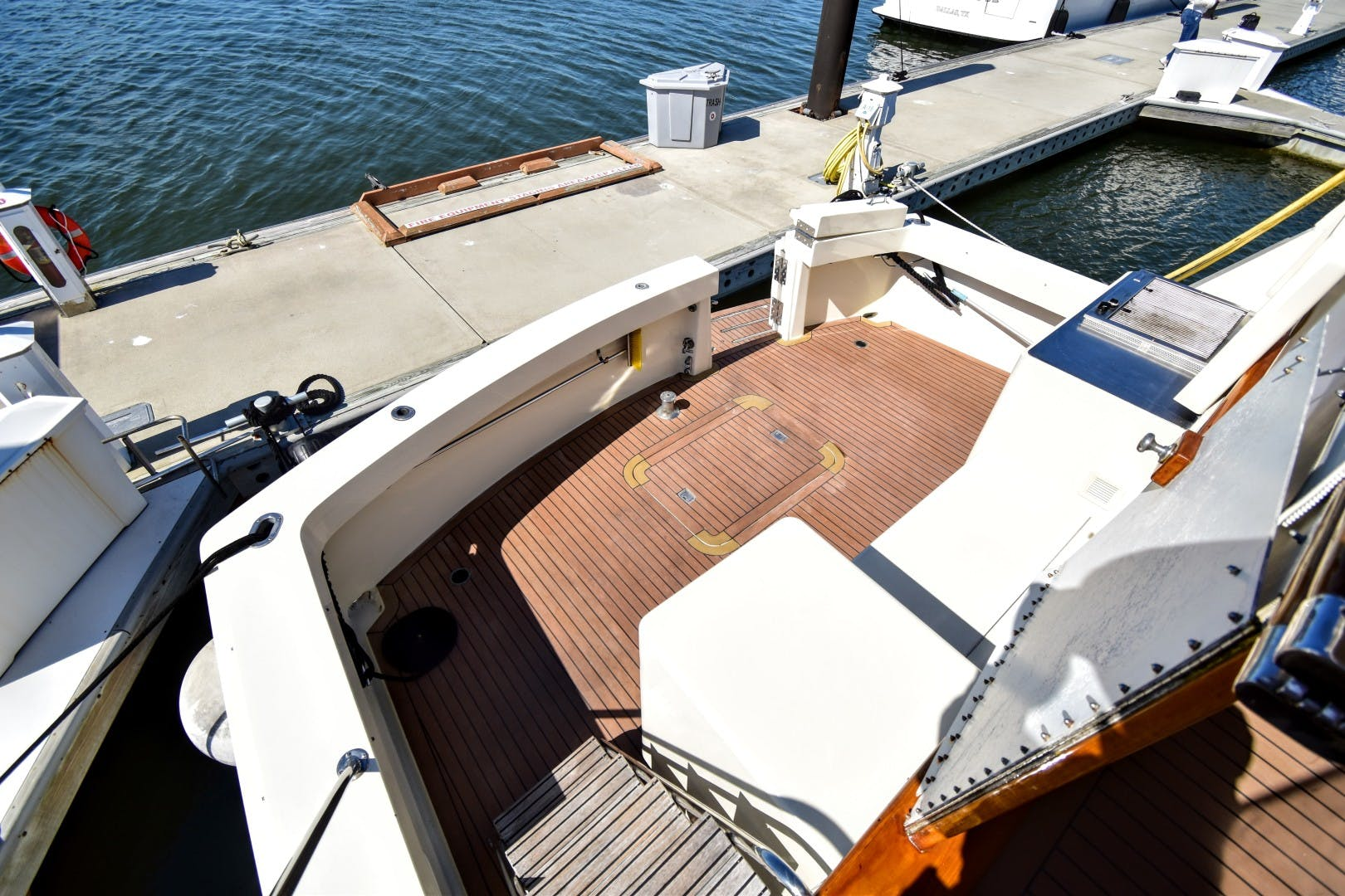 1989 Hatteras 67' 67 Cockpit Motor Yacht Why Knot Just Because | Picture 6 of 24