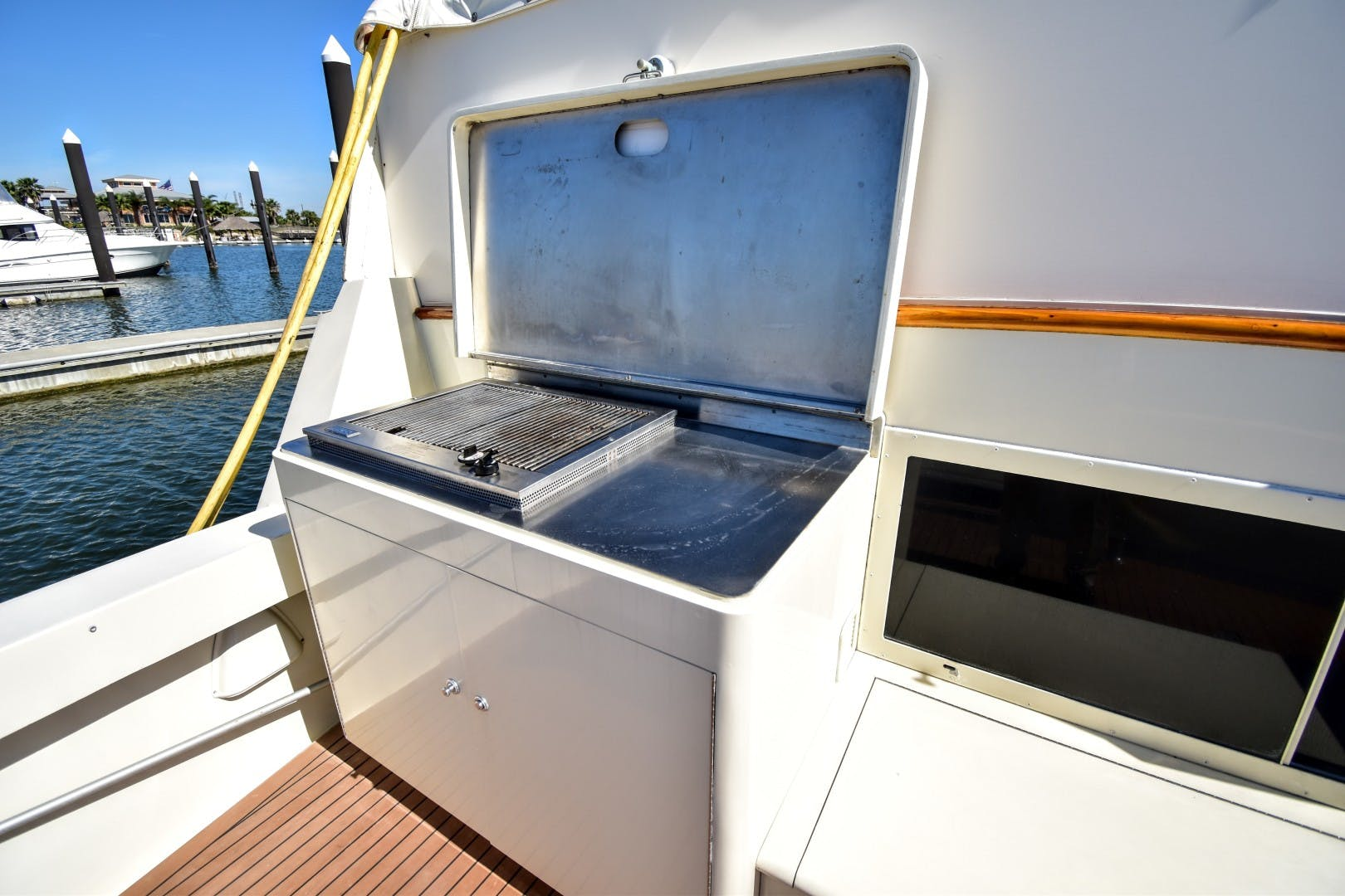 1989 Hatteras 67' 67 Cockpit Motor Yacht Why Knot Just Because | Picture 5 of 24
