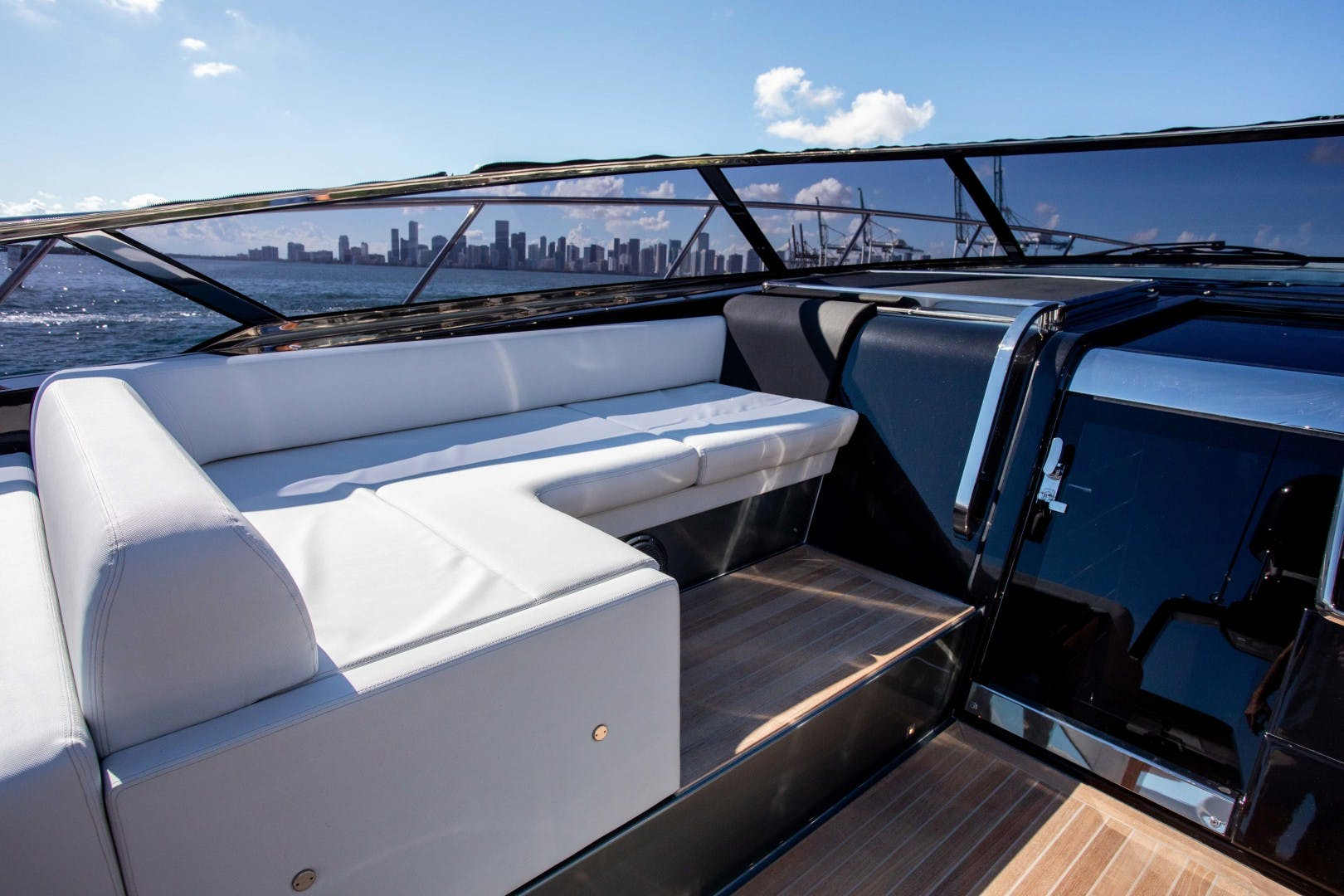 2019 Riva 56' Cruiser Danza Luna | Picture 6 of 60