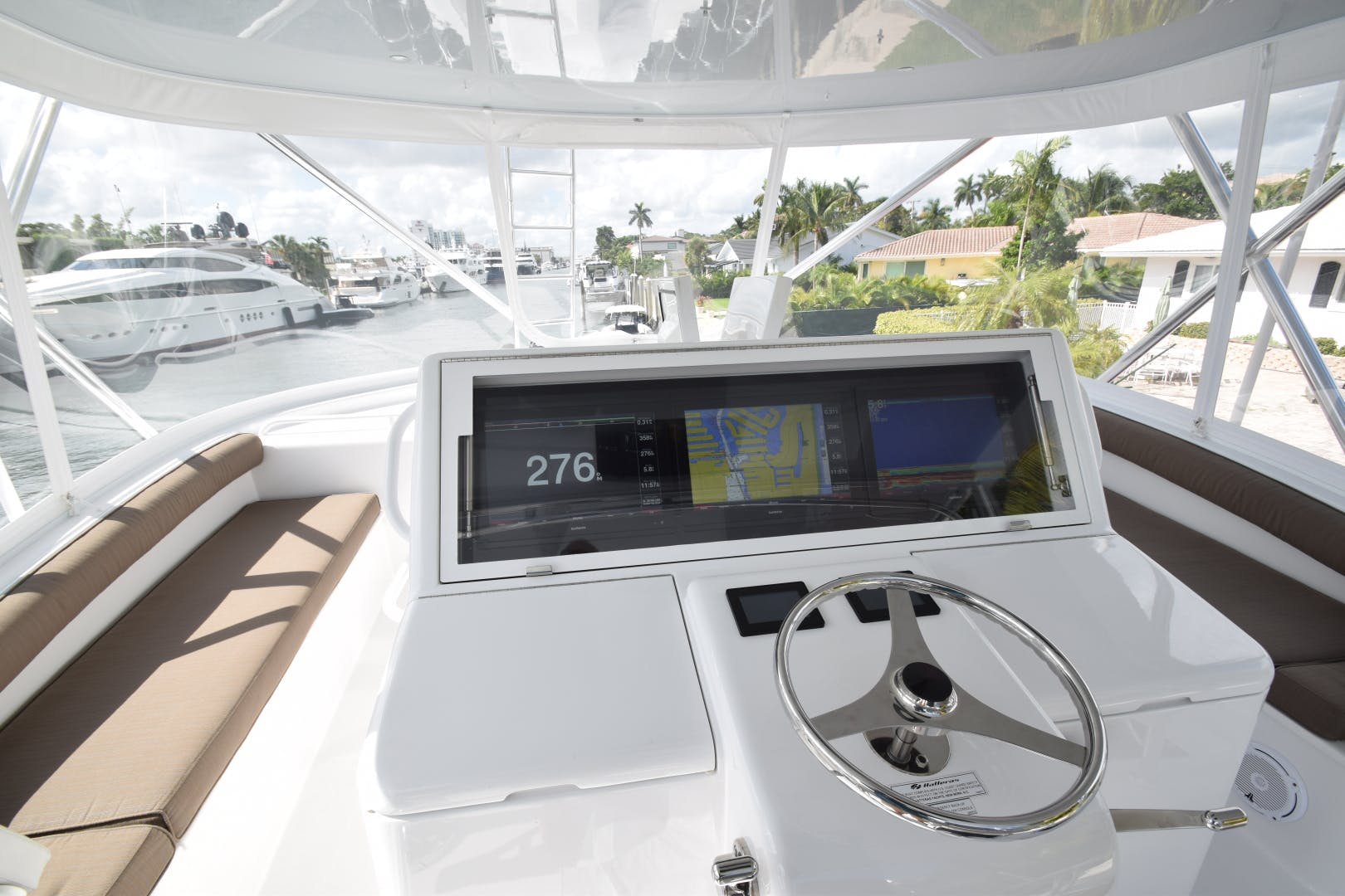 2016 Hatteras 63' 63GT  | Picture 7 of 84