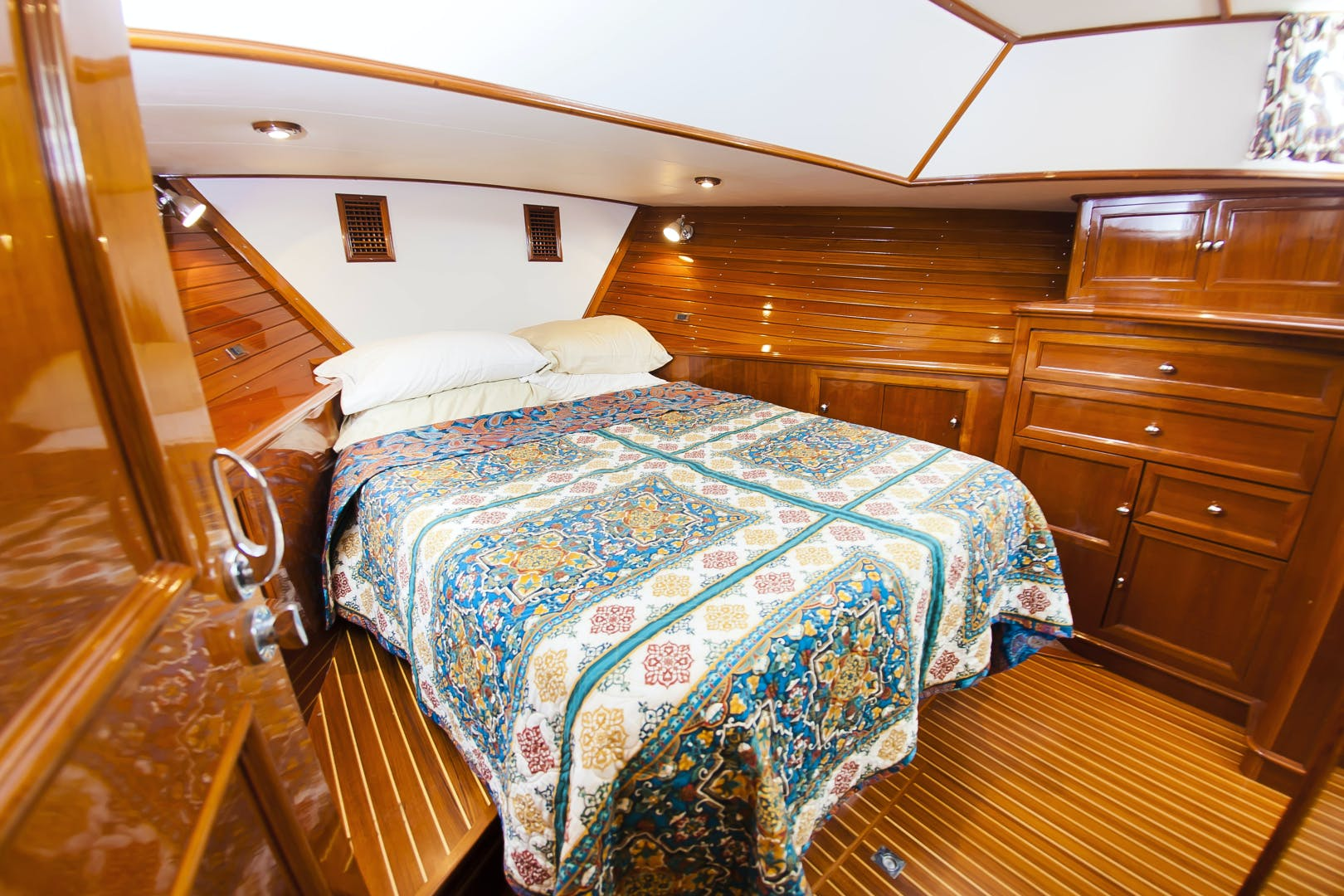 2006 Grand Banks 49' 49 Eastbay Paucity | Picture 7 of 61
