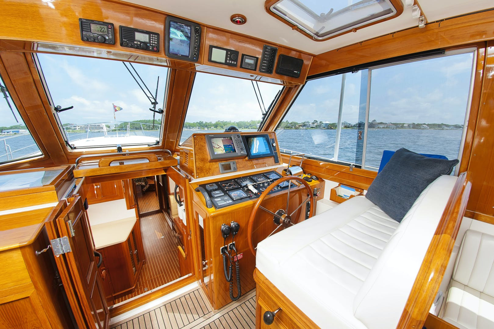 2006 Grand Banks 49' 49 Eastbay Paucity | Picture 6 of 61