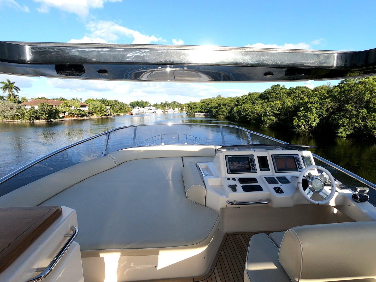 2012 Azimut 70' 70 Flybridge BT 2 | Picture 2 of 24