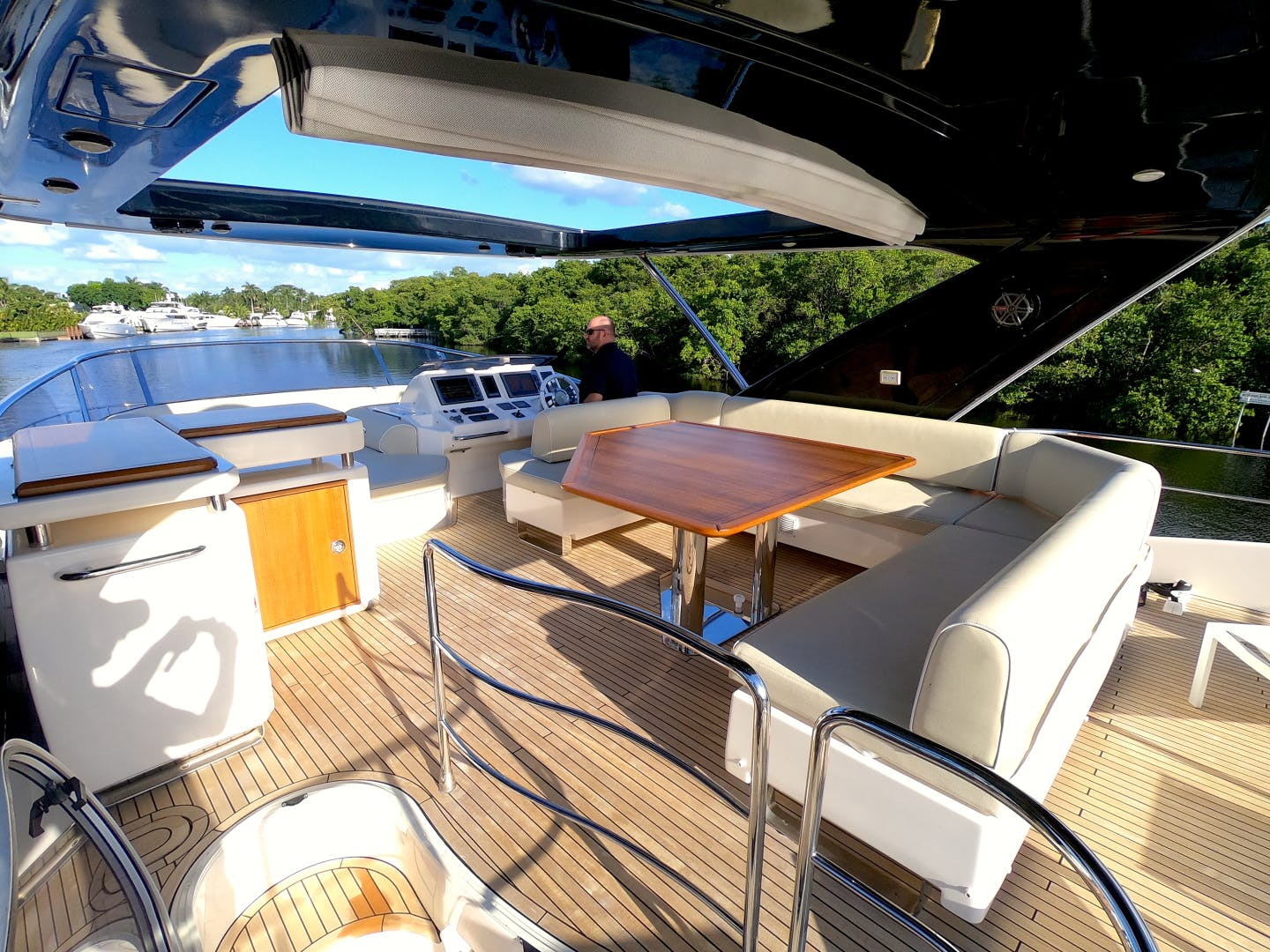 2012 Azimut 70' 70 Flybridge BT 2 | Picture 8 of 24