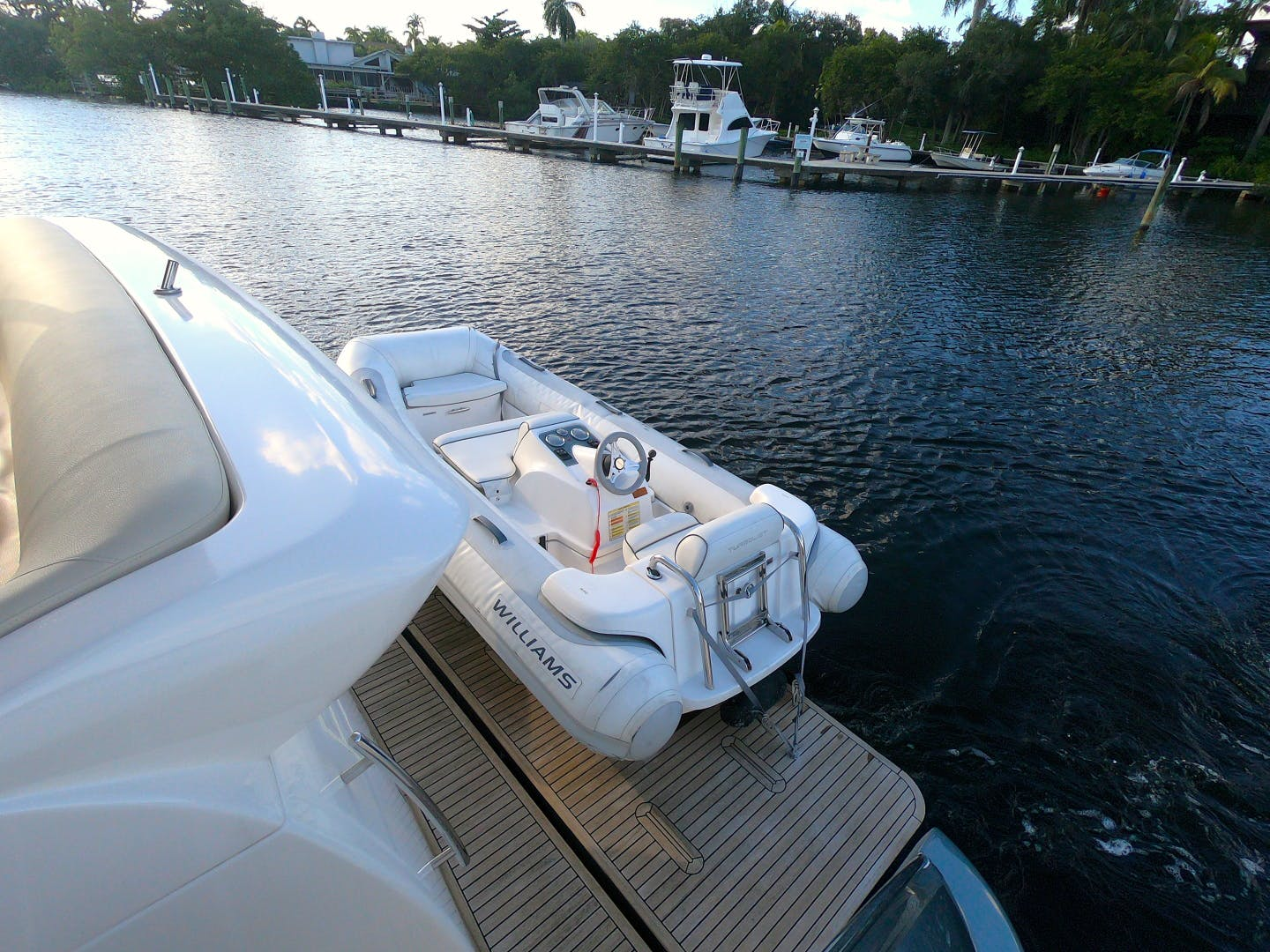 2012 Azimut 70' 70 Flybridge BT 2 | Picture 7 of 24