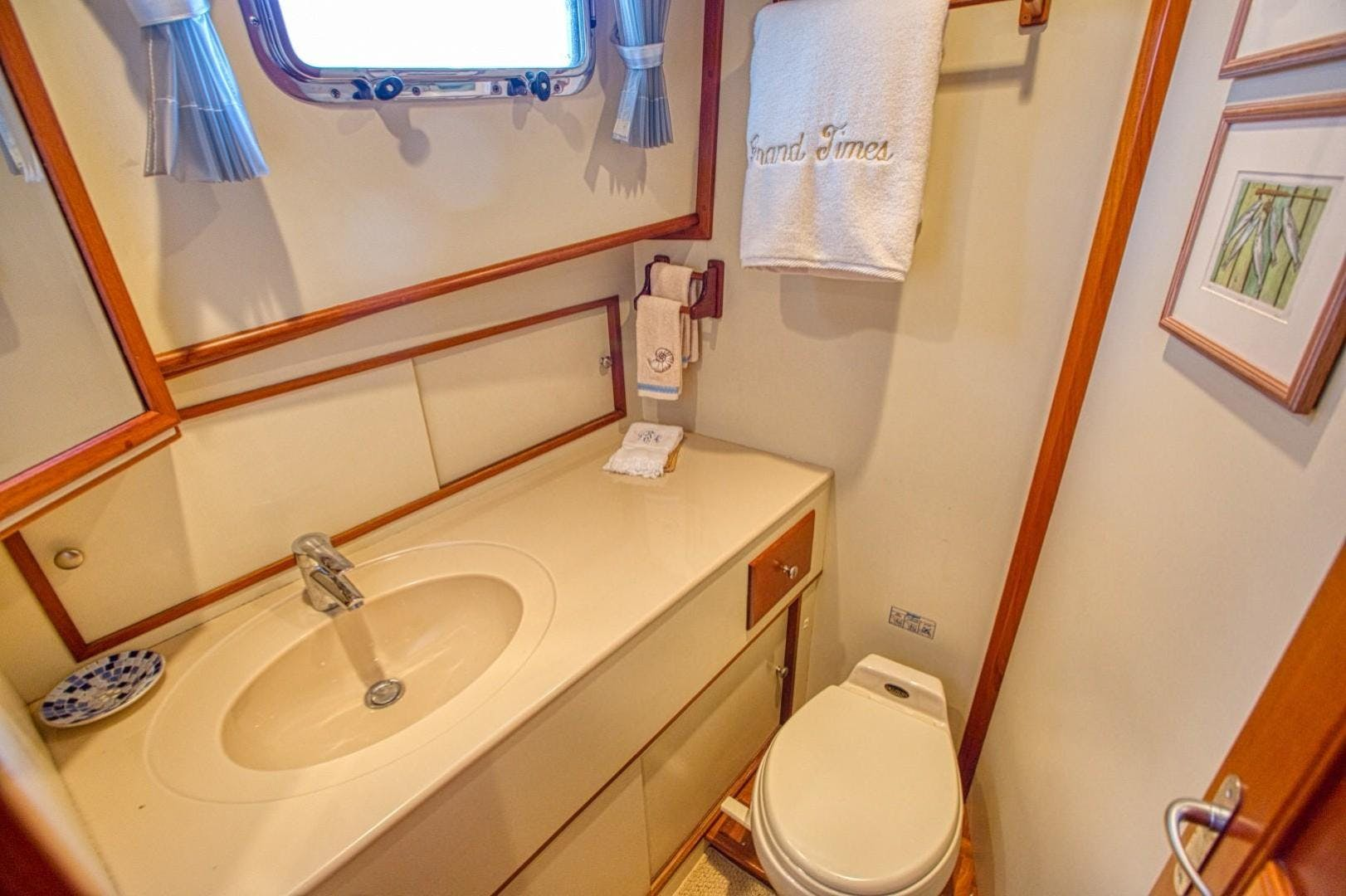 2004 Grand Banks 42' Europa 42 Grand Times   Picture 5 of 86