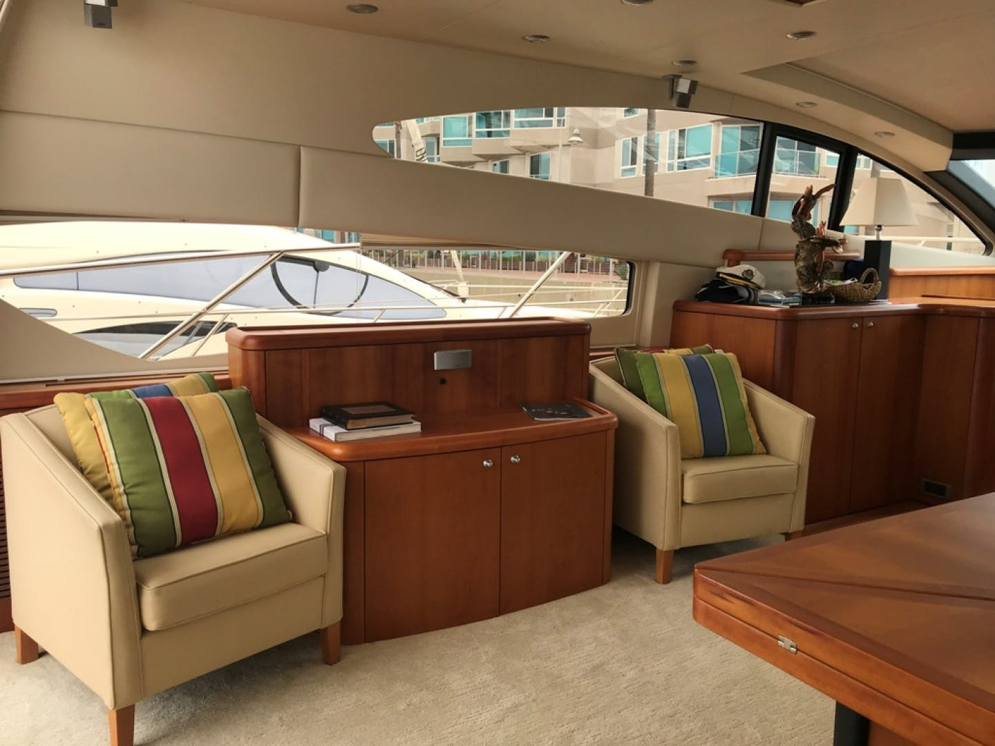 2009 Sunseeker 72' Predator Day Dreamer | Picture 8 of 39