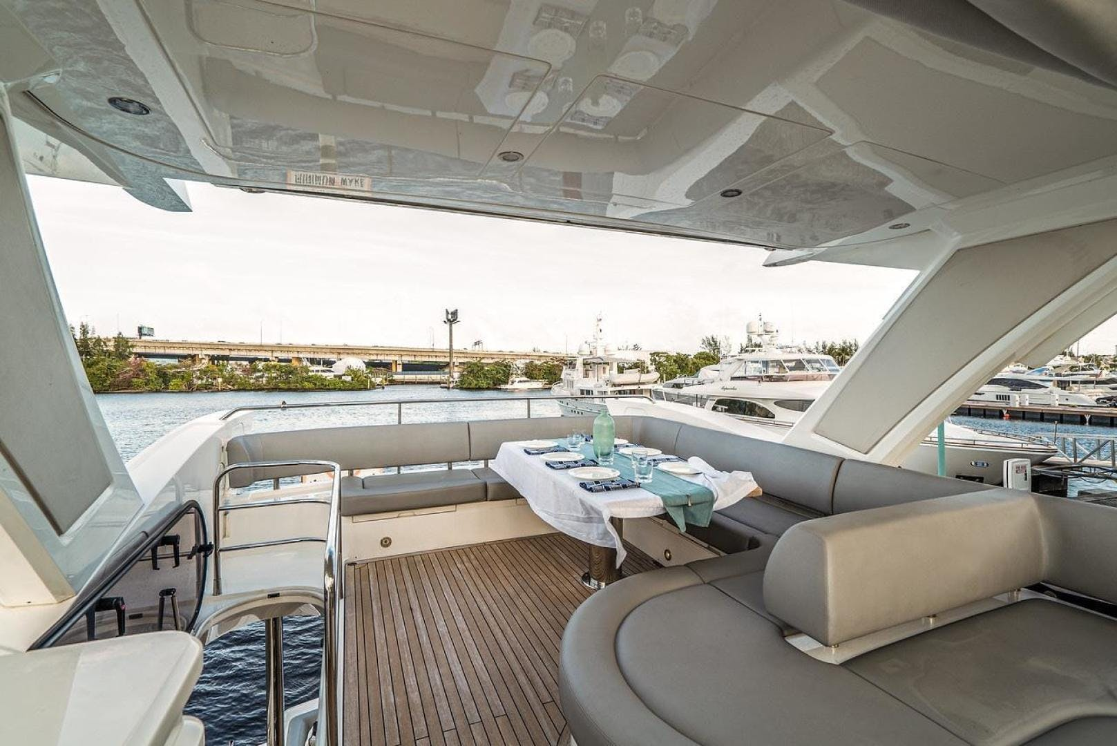 2019 Sunseeker 66' Manhattan  | Picture 3 of 27