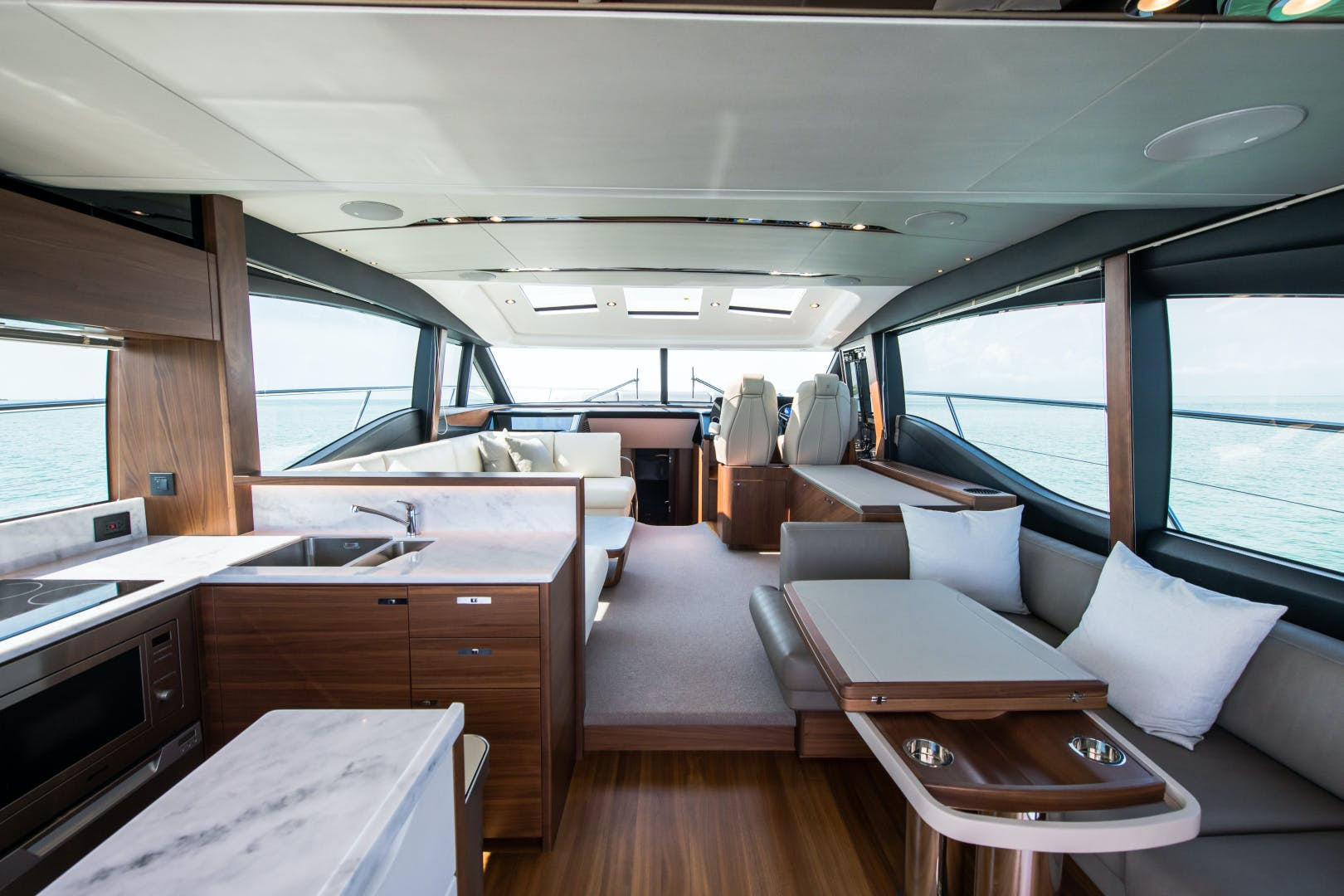 2017 Princess 65' S65 KEEPIN' IT LIGHT    Picture 6 of 28