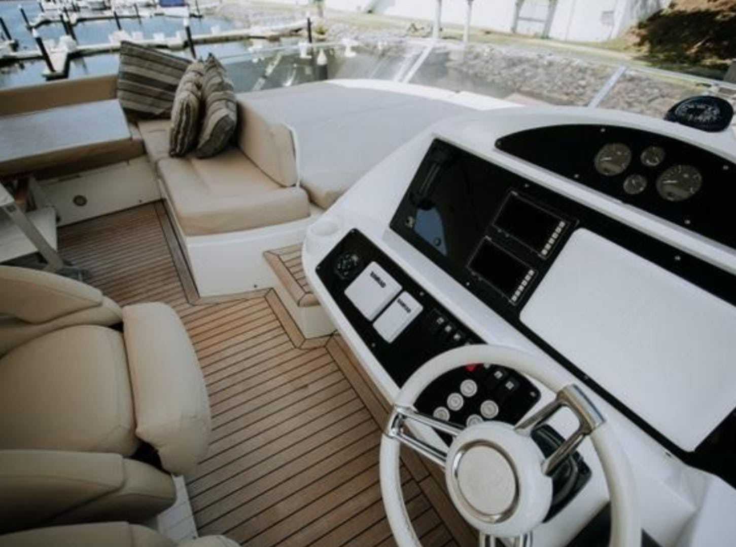 2014 Sunseeker 73'  Astur | Picture 5 of 40