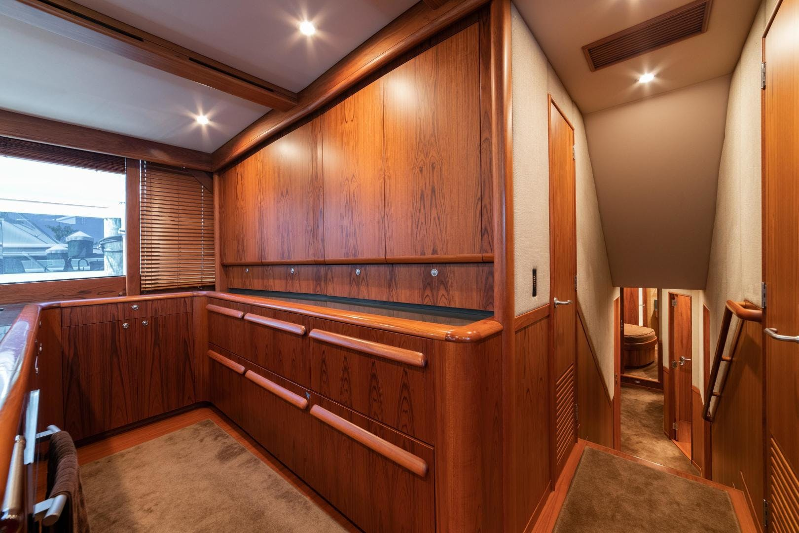 2009 Merritt 72' Sportfish OWL'S NEST | Picture 6 of 26