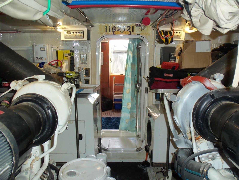 2004 Queenship 76' Barretta 76 SEA MYSTIC | Picture 3 of 86