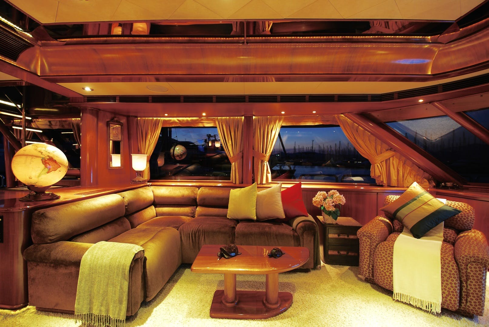 2004 Westport 138'  Forty Love | Picture 5 of 17