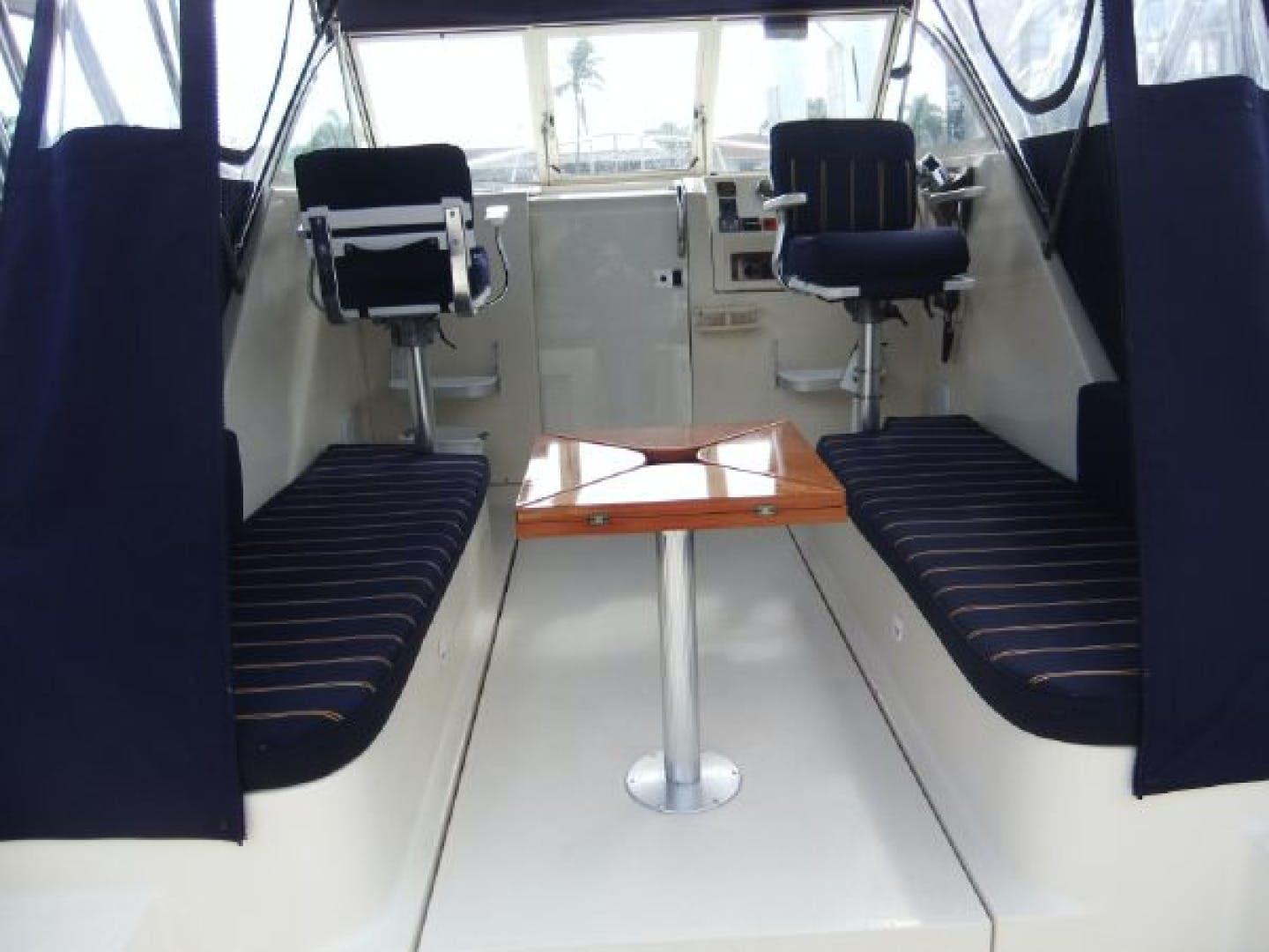 2004 Mainship 30' Pilot 30-II Blue Moon | Picture 1 of 43