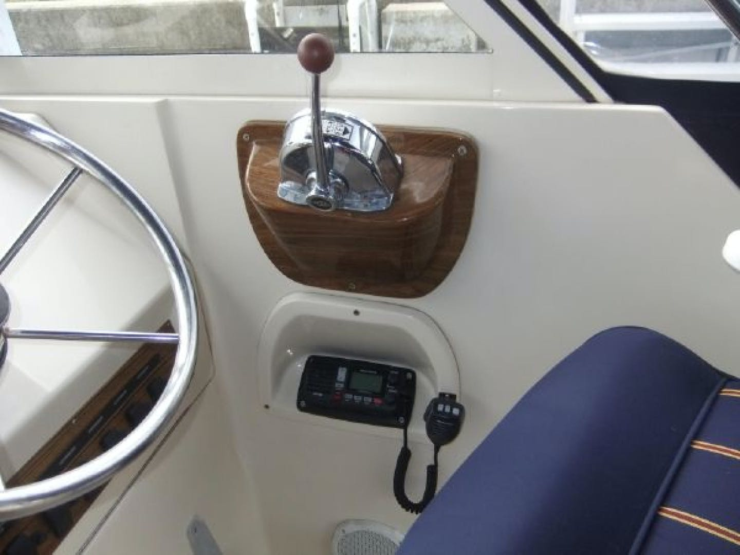 2004 Mainship 30' Pilot 30-II Blue Moon | Picture 3 of 43