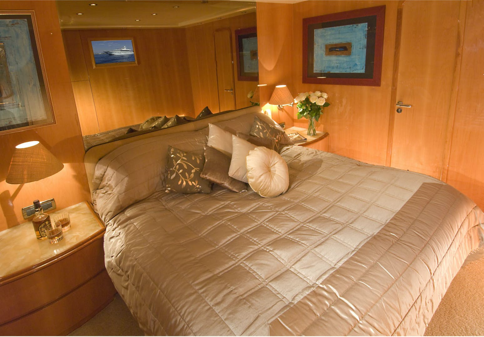 1998 Mangusta 86'  INDULGENCE OF POOLE | Picture 7 of 14