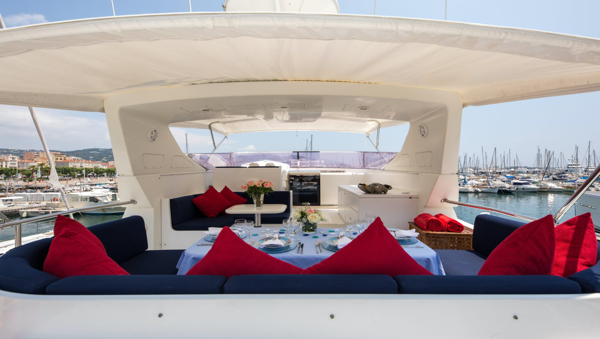 1998 Mangusta 86'  INDULGENCE OF POOLE | Picture 3 of 14