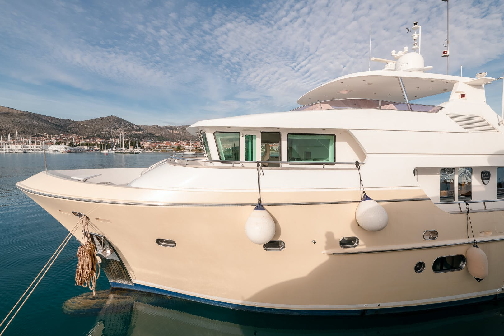 2012 Horizon 78'  Virgin Gold | Picture 2 of 14