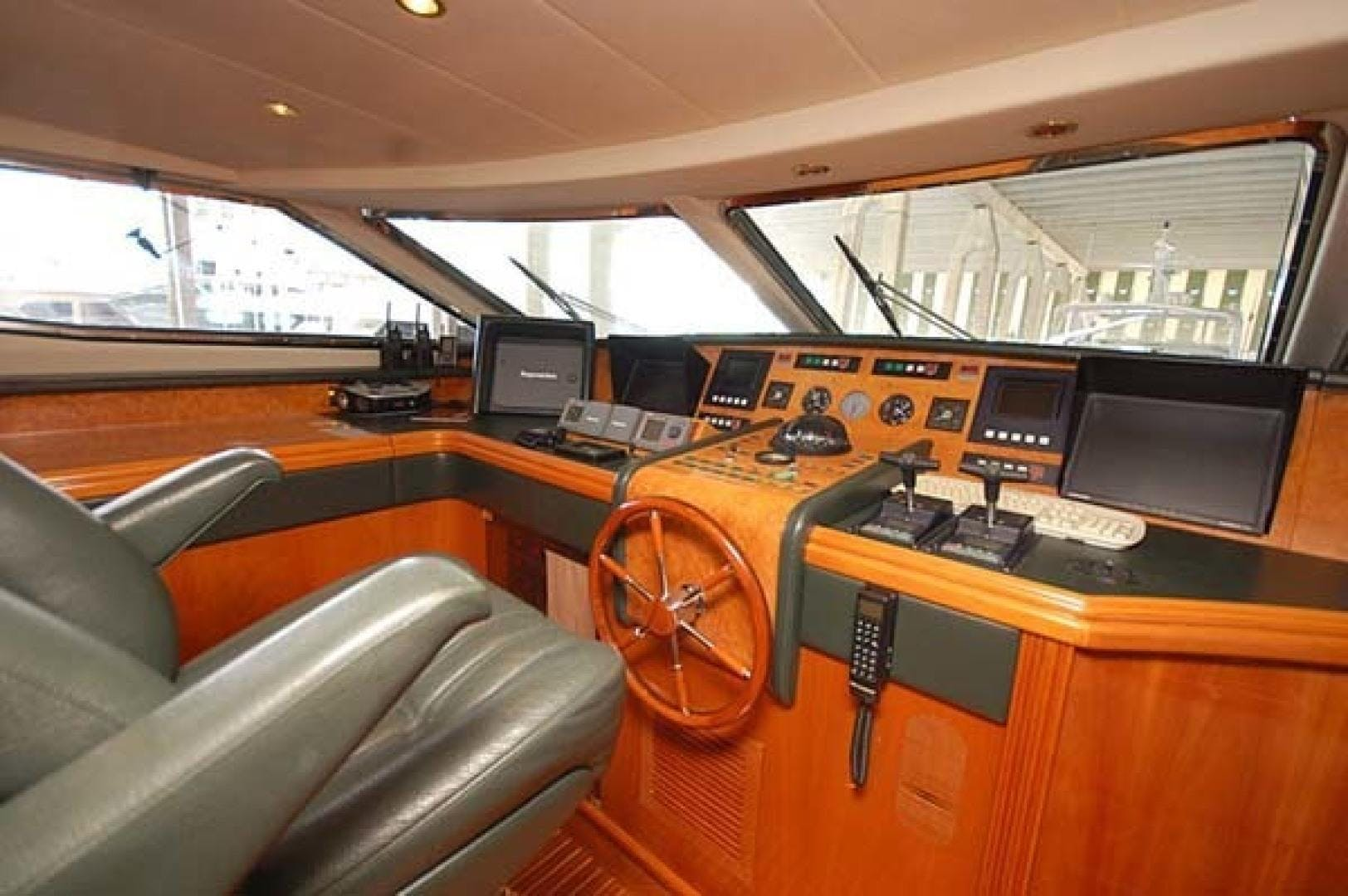 2000 Azimut 100' Jumbo Carobelle | Picture 6 of 87