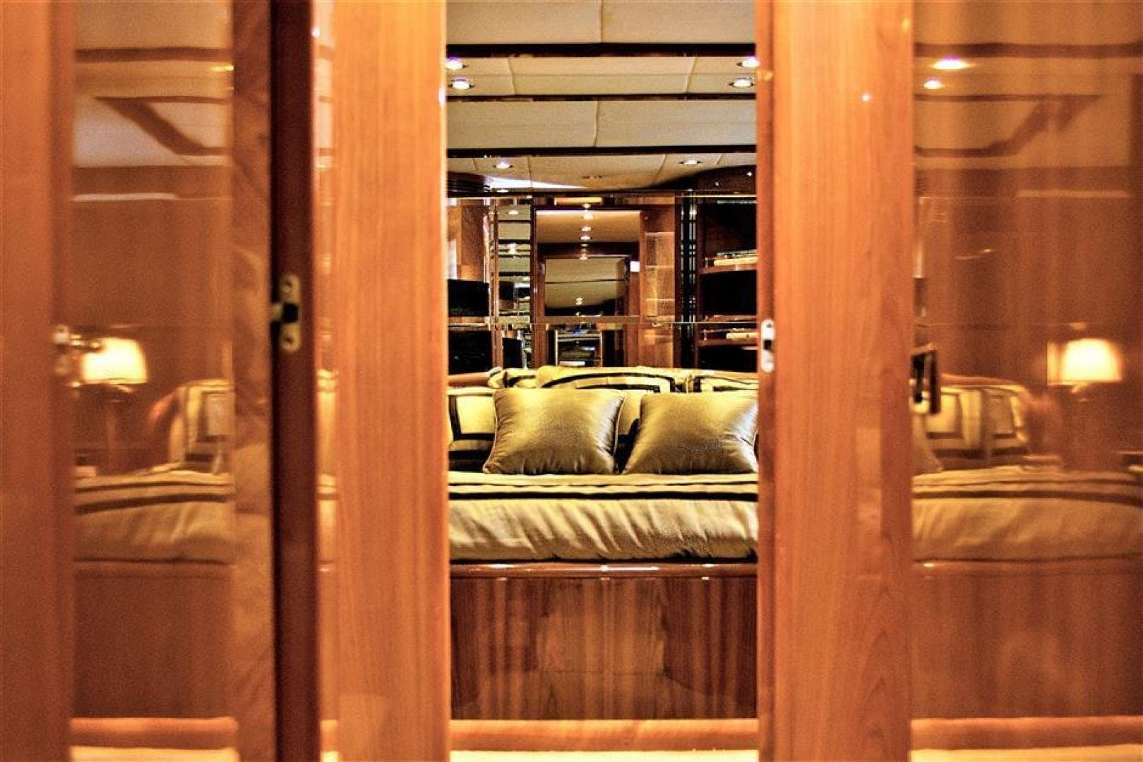 2000 Azimut 100' Jumbo Carobelle | Picture 7 of 87