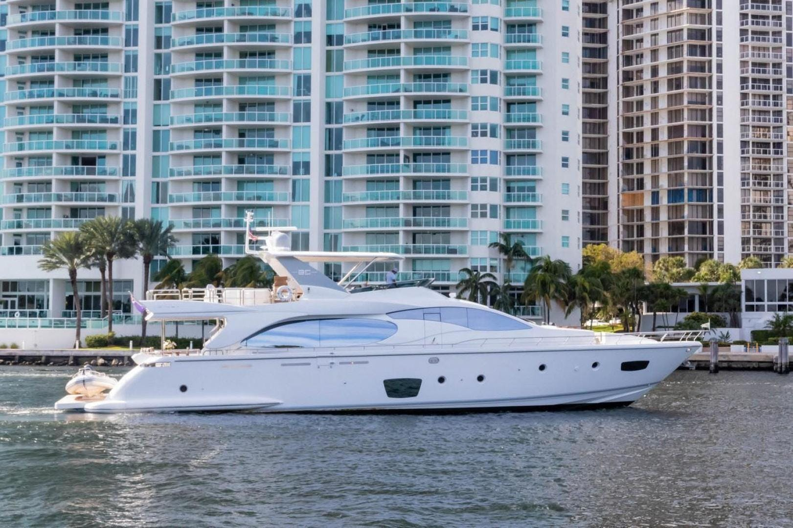2007 Azimut 85' Flybridge Blue | Picture 2 of 56