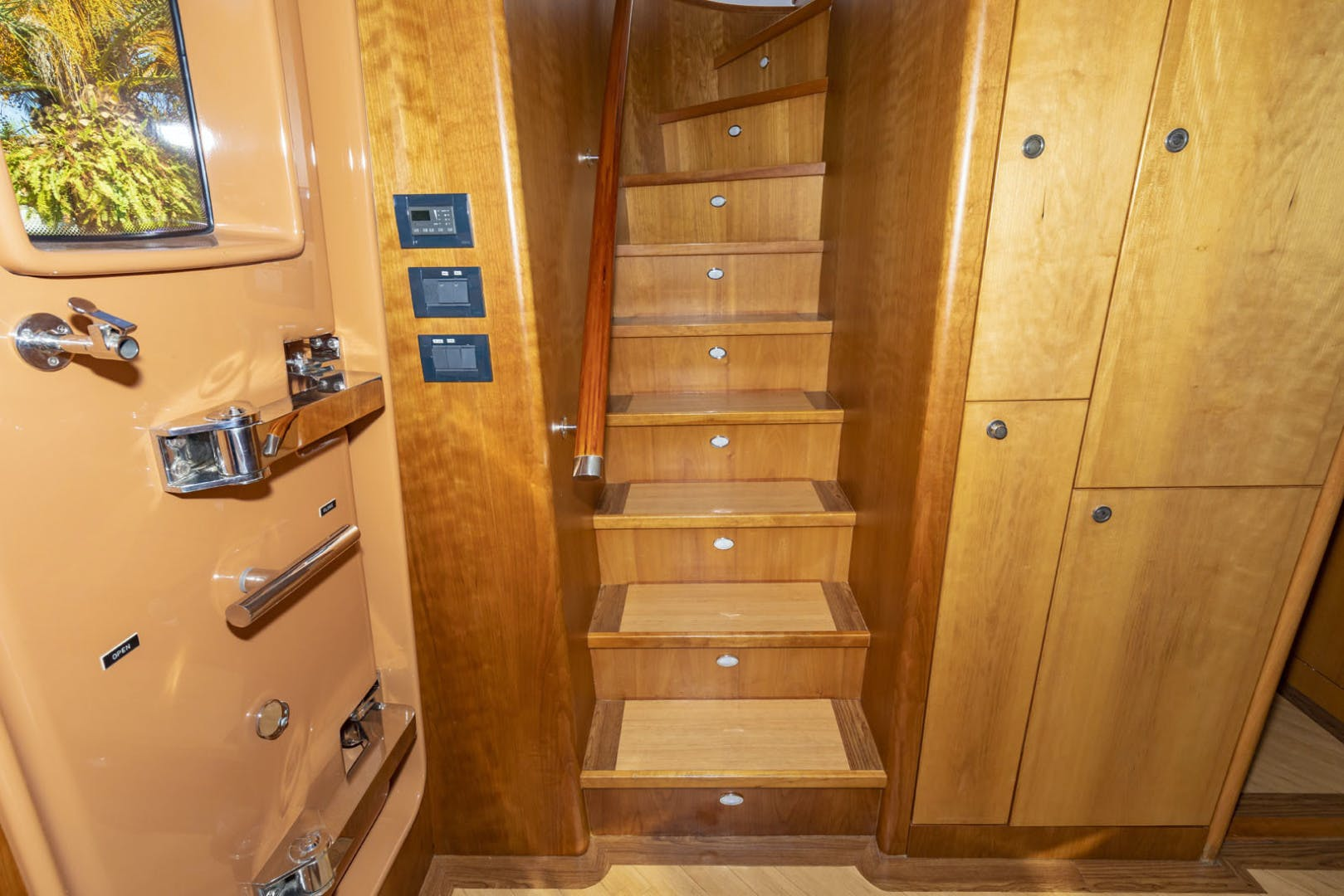 2005 Cheoy Lee 68' 68 Motor Yacht VENTURE | Picture 4 of 92