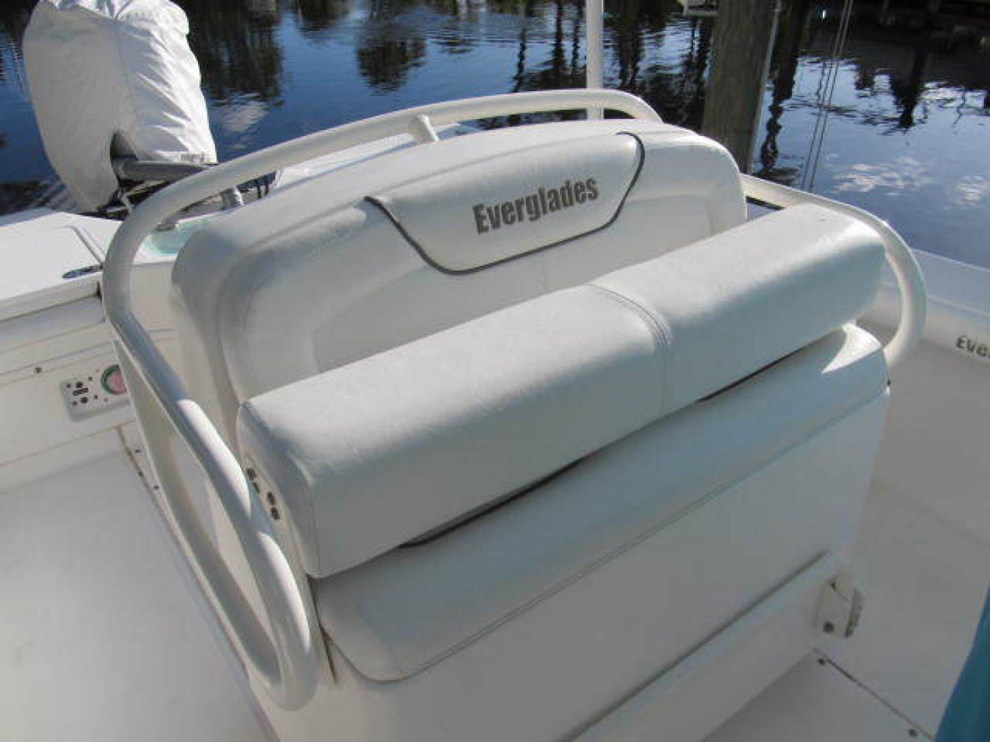 2007 Everglades 24' 243CC With Trailer and No Bottom Paint  | Picture 6 of 28