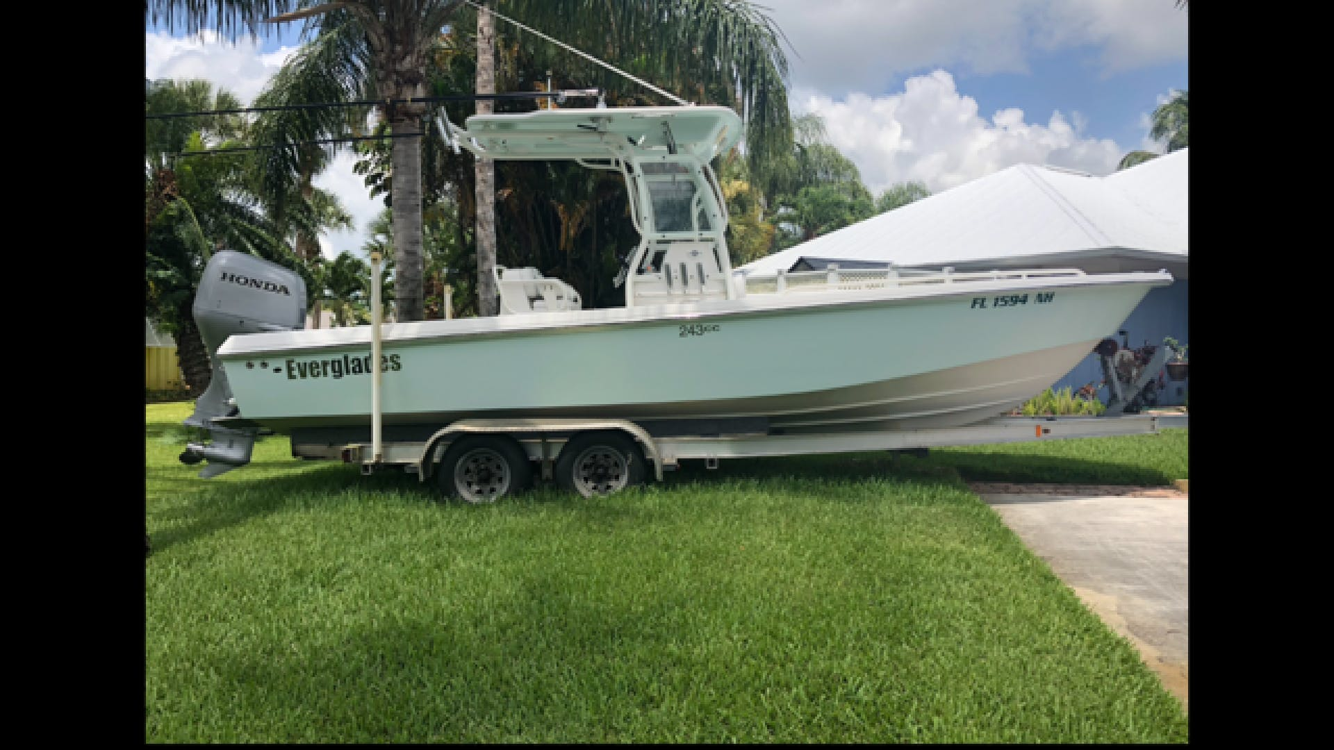 2007 Everglades 24' 243CC With Trailer and No Bottom Paint  | Picture 4 of 28